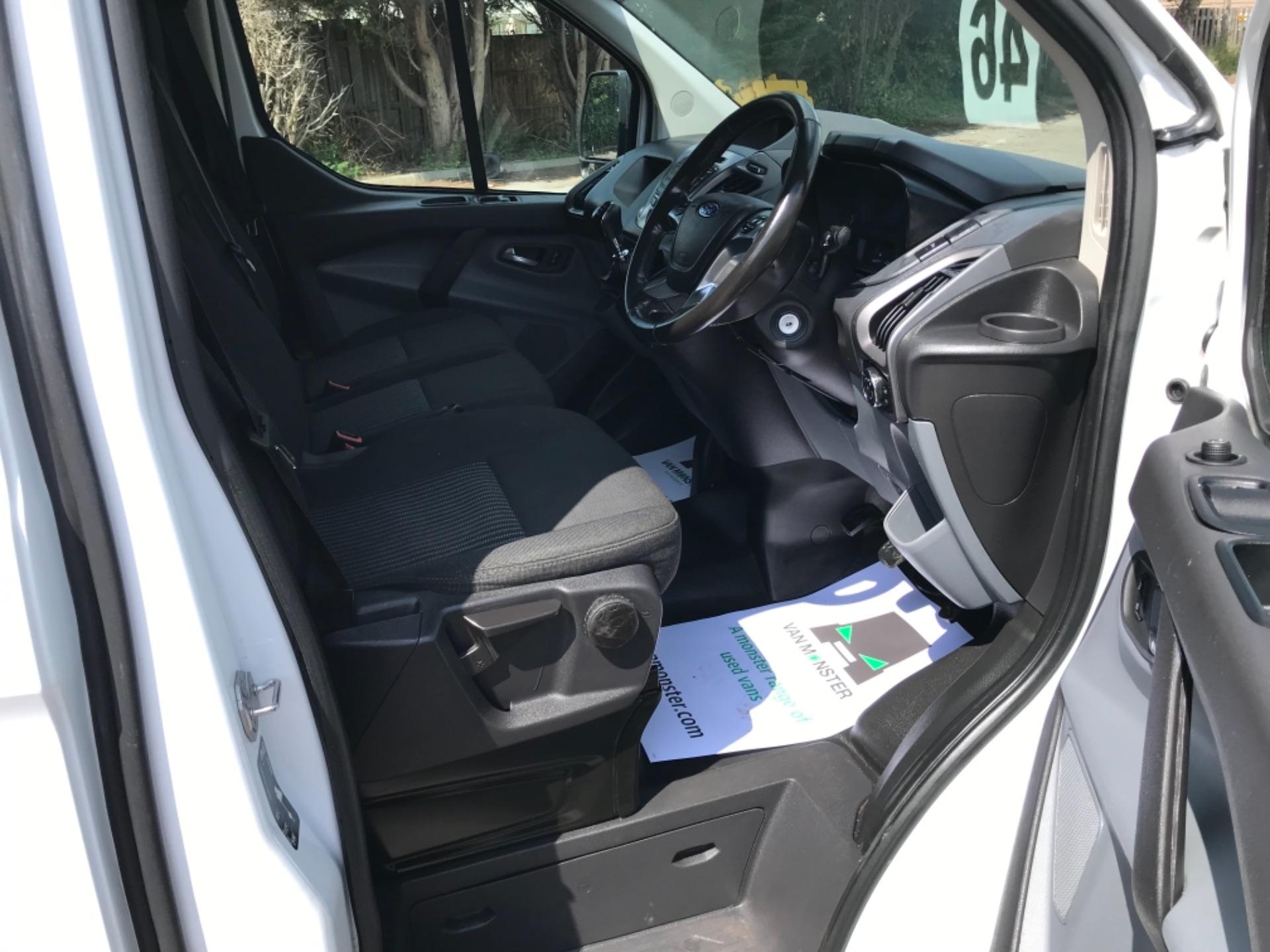 2017 Ford Transit Custom 2.0 Tdci 130Ps Low Roof Trend Van EURO 6 (FM17VRR) Image 10