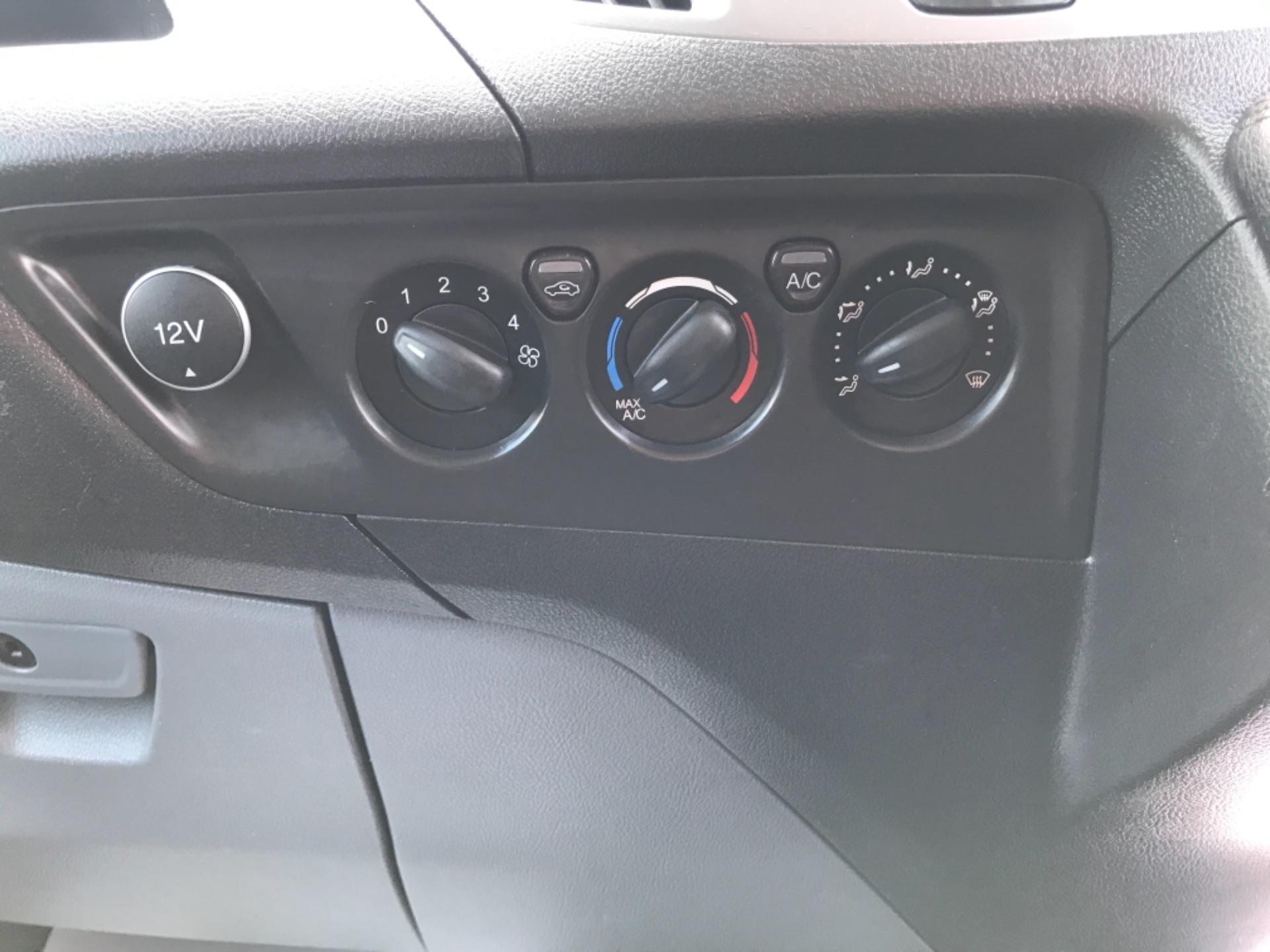 2017 Ford Transit Custom 2.0 Tdci 130Ps Low Roof Trend Van EURO 6 (FM17VRR) Image 25