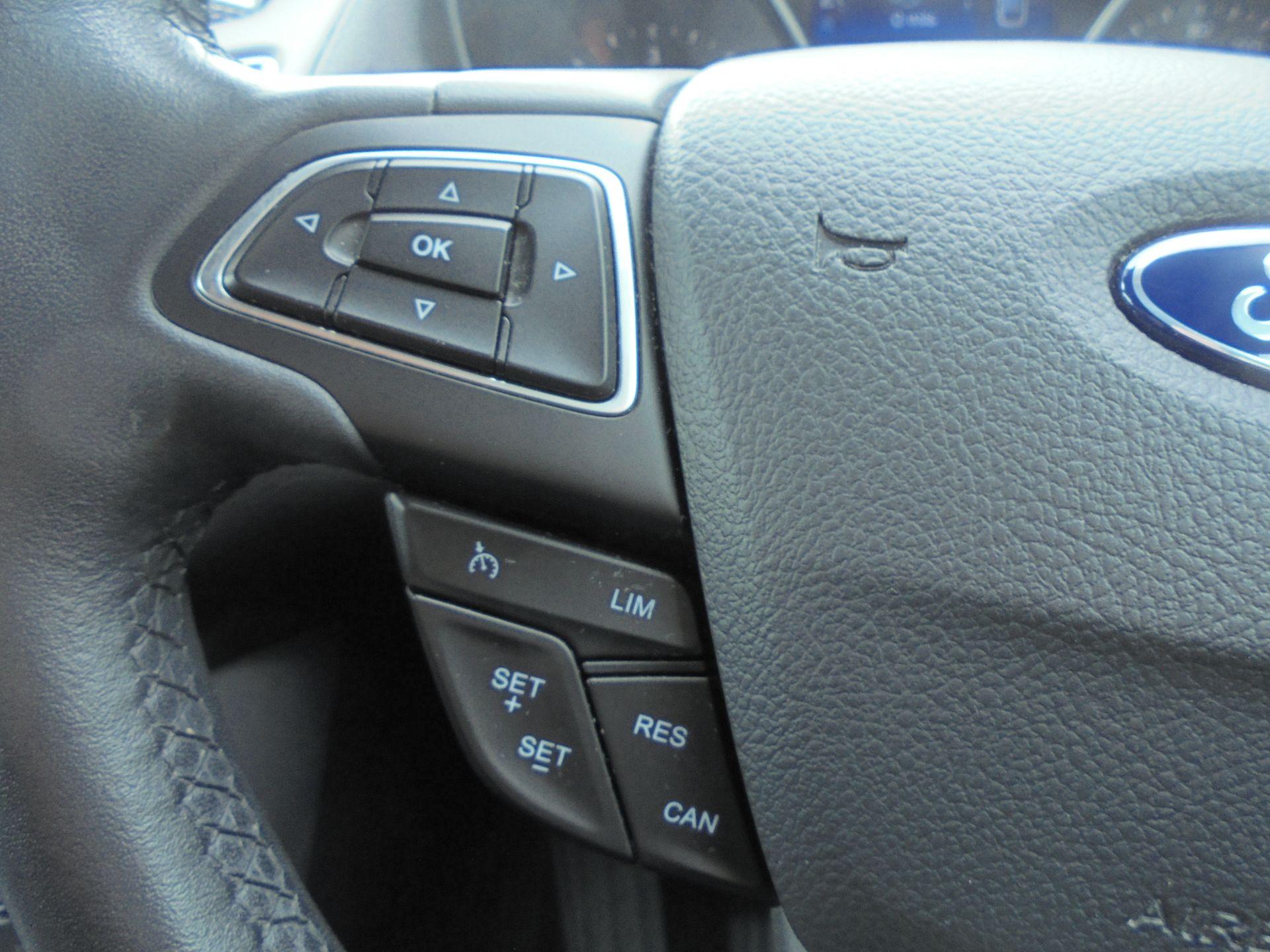2017 Ford Focus 1.5 Tdci 120 Zetec Edition 5Dr (FM17VTX) Image 17