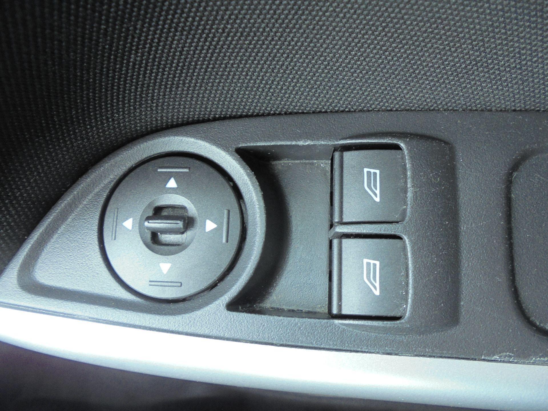 2017 Ford Focus 1.5 Tdci 120 Zetec Edition 5Dr (FM17VTX) Image 16