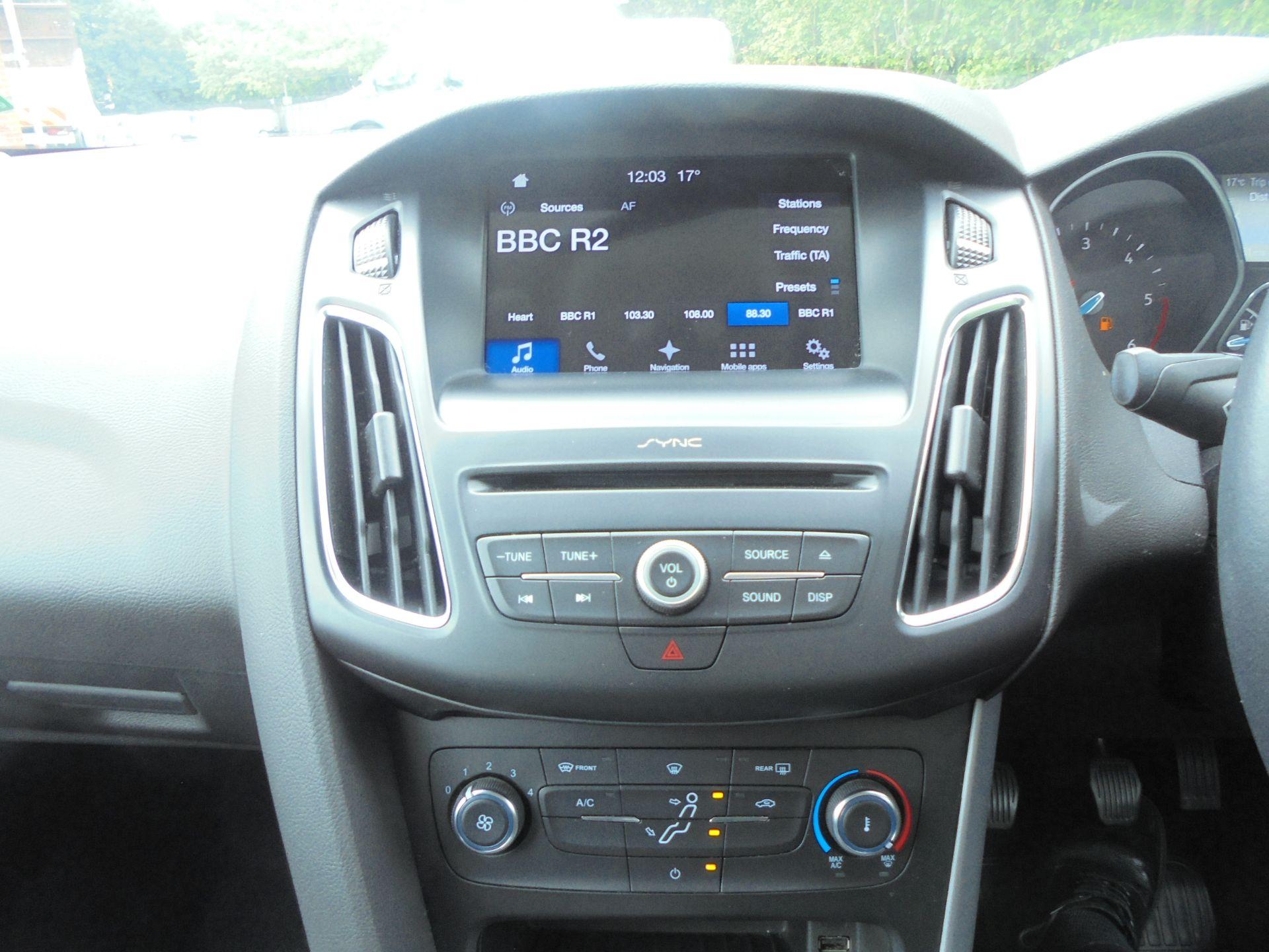 2017 Ford Focus 1.5 Tdci 120 Zetec Edition 5Dr (FM17VTX) Image 14