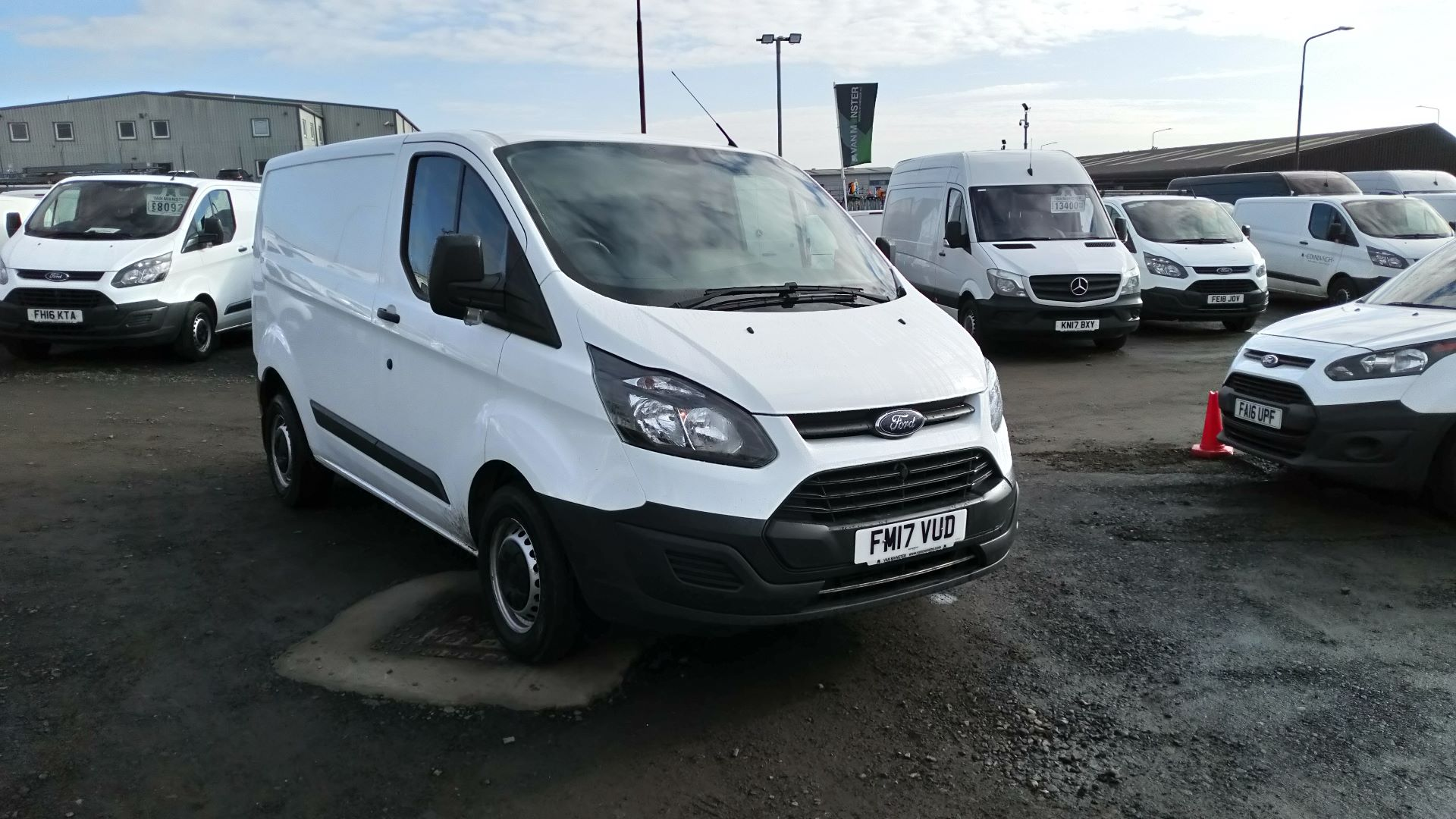 2017 Ford Transit Custom 2.0 Tdci 105Ps Low Roof Van (FM17VUD)