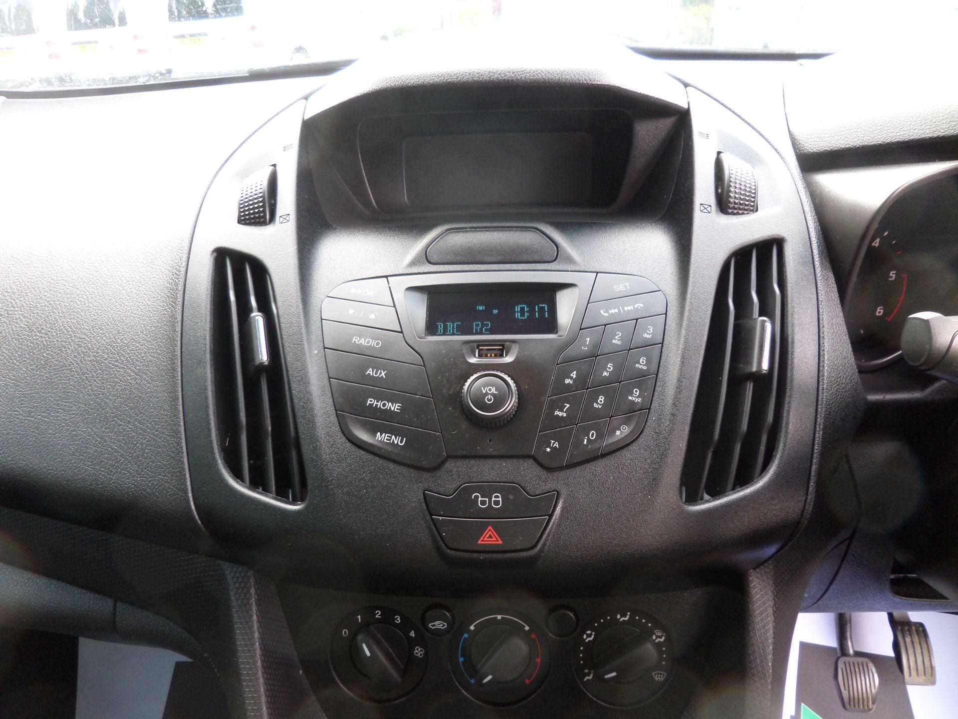2017 Ford Transit Connect 1.5 Tdci 100Ps L2  Van Euro 6 (FM17VYA) Image 12