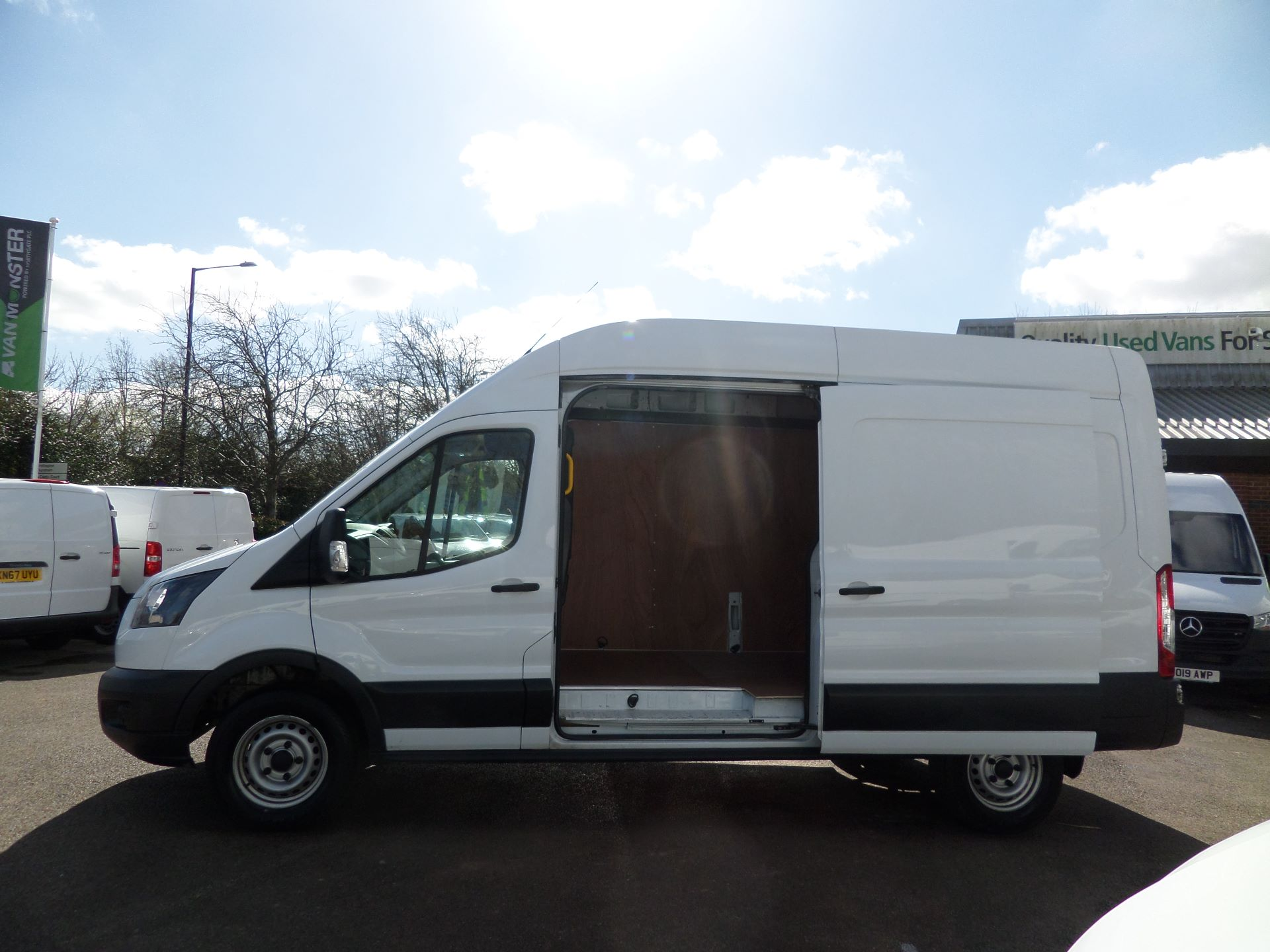 2017 Ford Transit 2.0 Tdci 130Ps H3 Van Euro 6 ( Limited To 70MPH ) (FM17VYB) Image 7