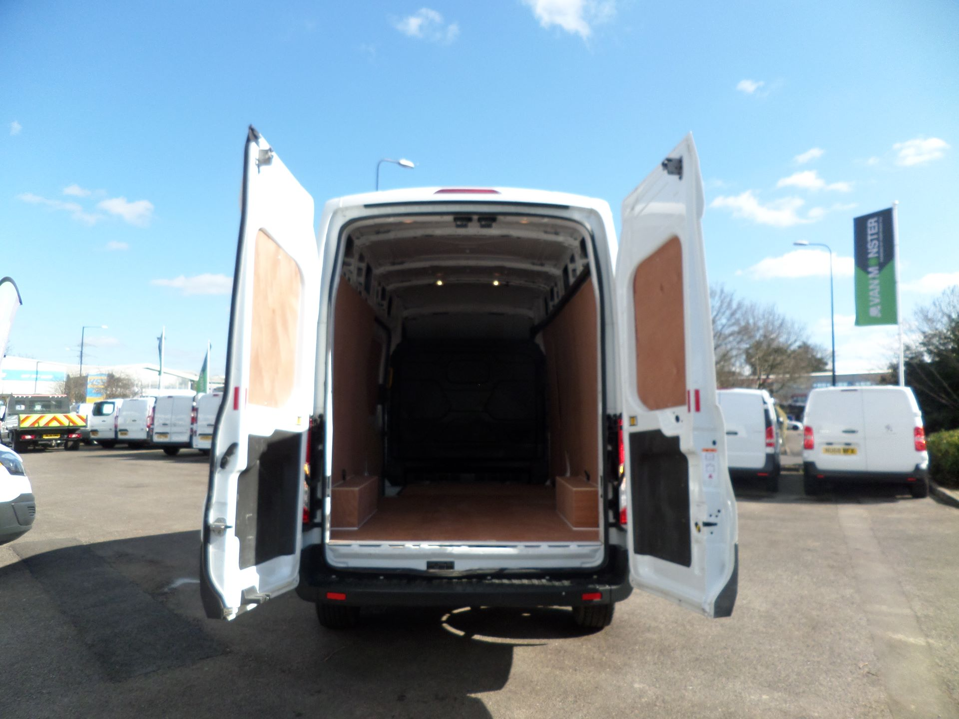 2017 Ford Transit 2.0 Tdci 130Ps H3 Van Euro 6 ( Limited To 70MPH ) (FM17VYB) Image 4