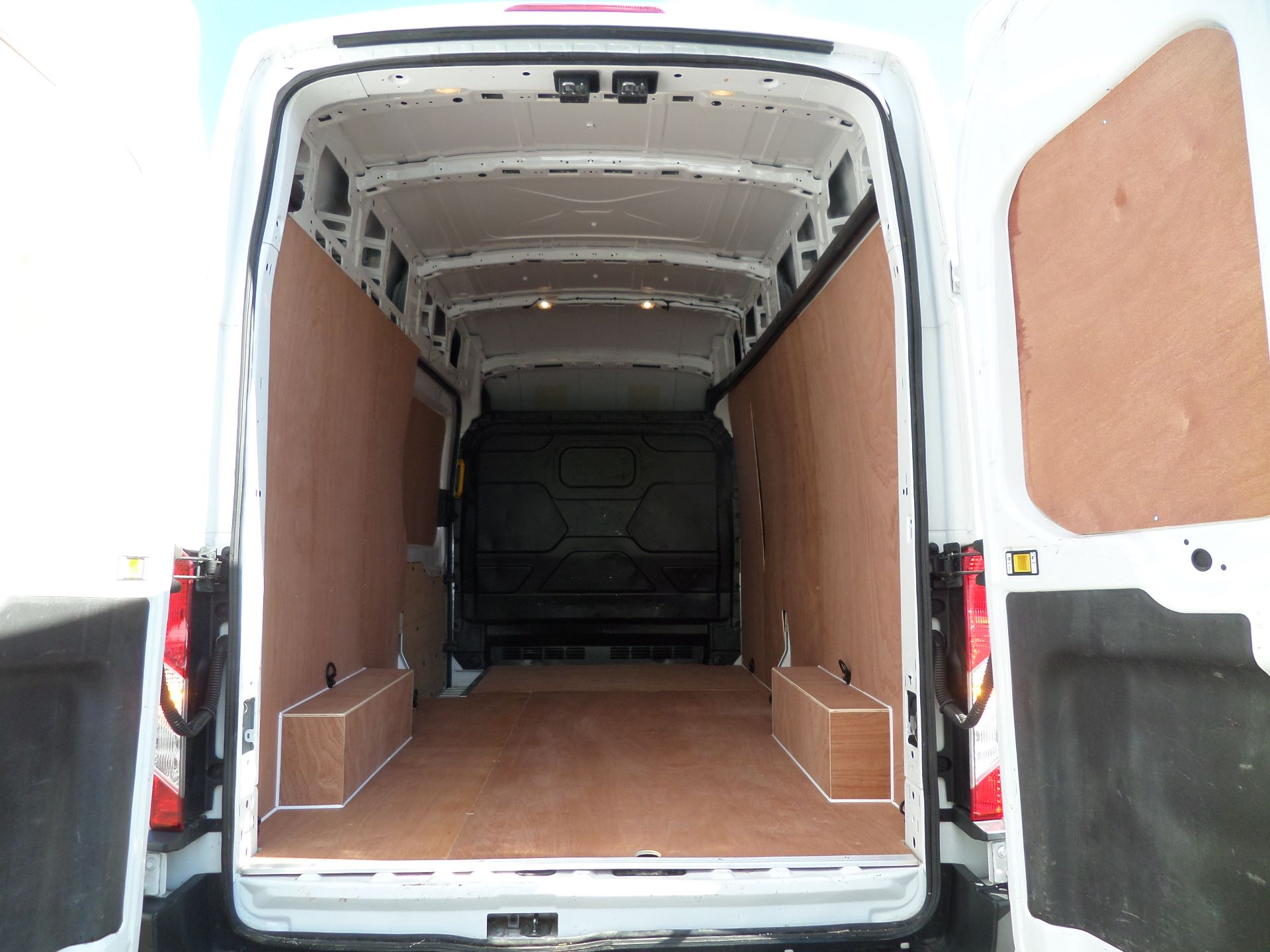 2017 Ford Transit 2.0 Tdci 130Ps H3 Van Euro 6 ( Limited To 70MPH ) (FM17VYB) Image 5