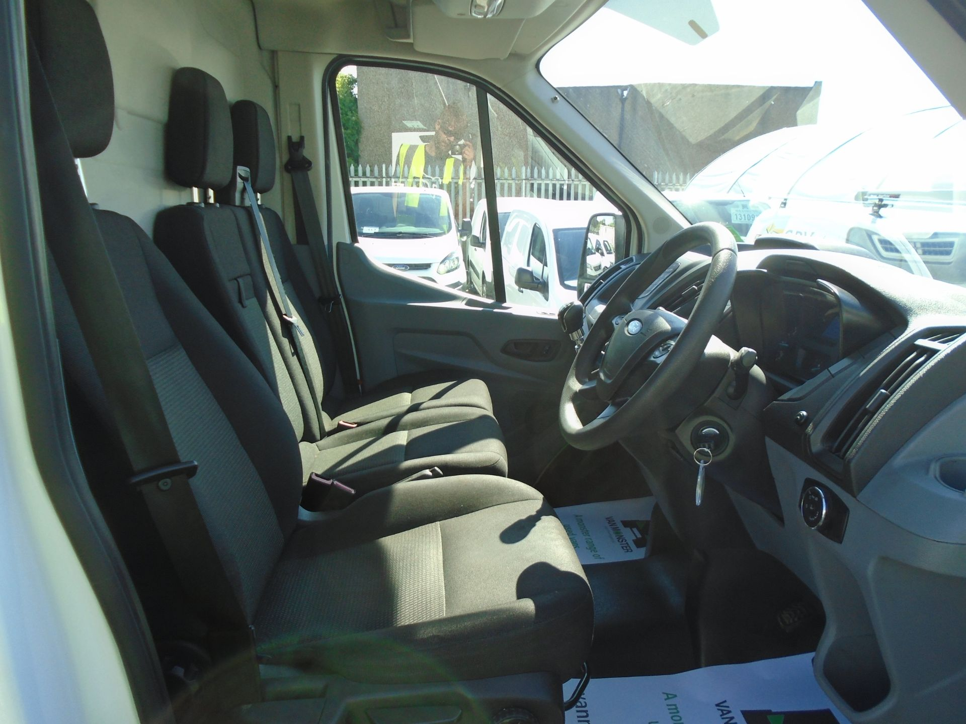 2016 Ford Transit 2.0 Tdci 130Ps H3 Van (FM66FET) Image 20