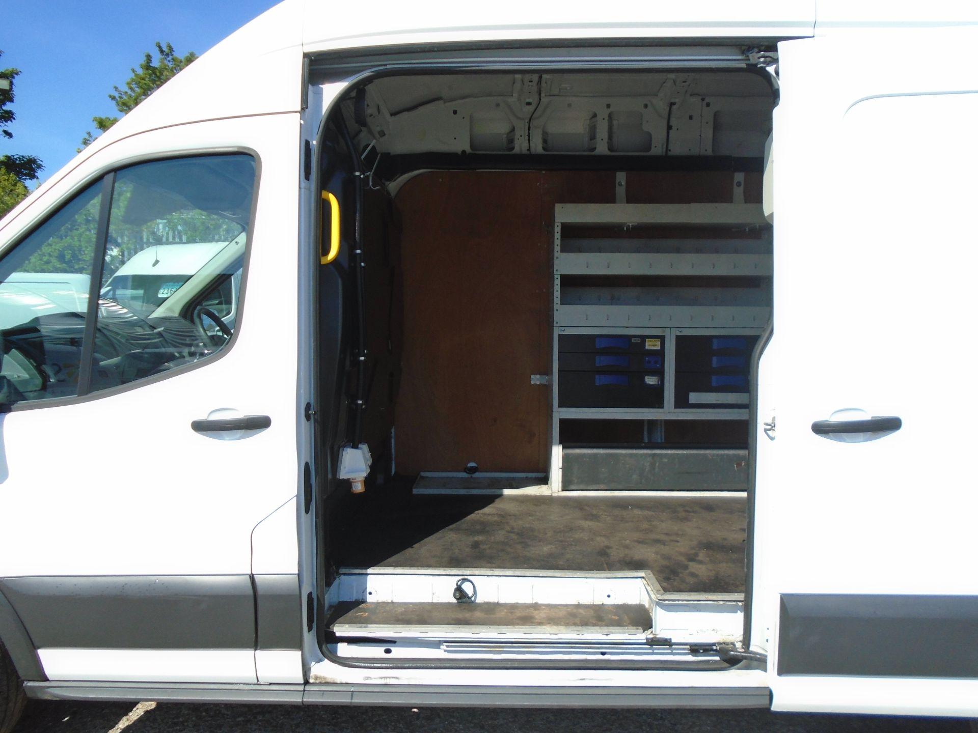 2016 Ford Transit 2.0 Tdci 130Ps H3 Van (FM66FET) Image 10
