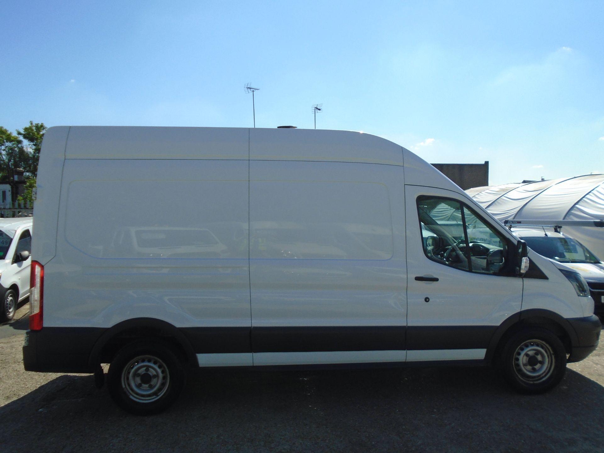 2016 Ford Transit 2.0 Tdci 130Ps H3 Van (FM66FET) Image 8