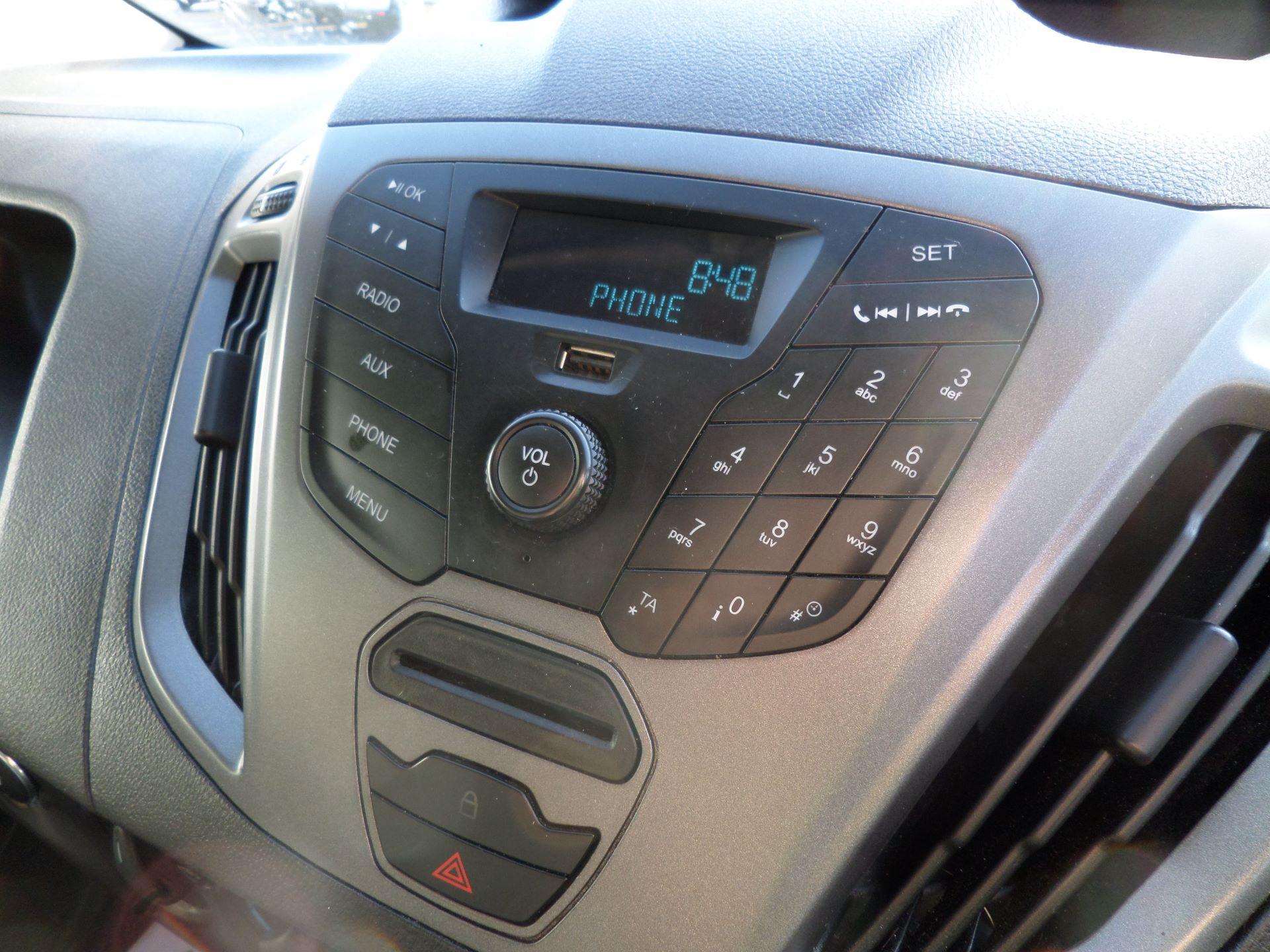 2016 Ford Transit Custom 2.2 Tdci 100Ps Low Roof D/Cab Van Euro 5 (FN16UWU) Image 14