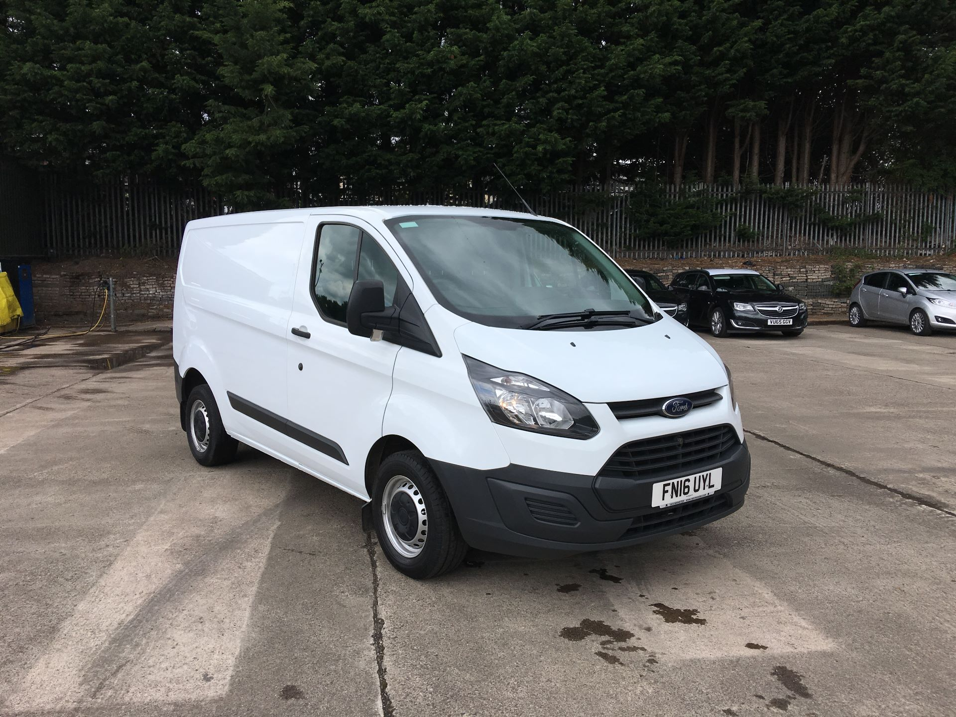 2016 Ford Transit Custom 290 L1 DIESEL FWD 2.2 TDCI 100PS LOW ROOF VAN EURO 5 (FN16UYL)