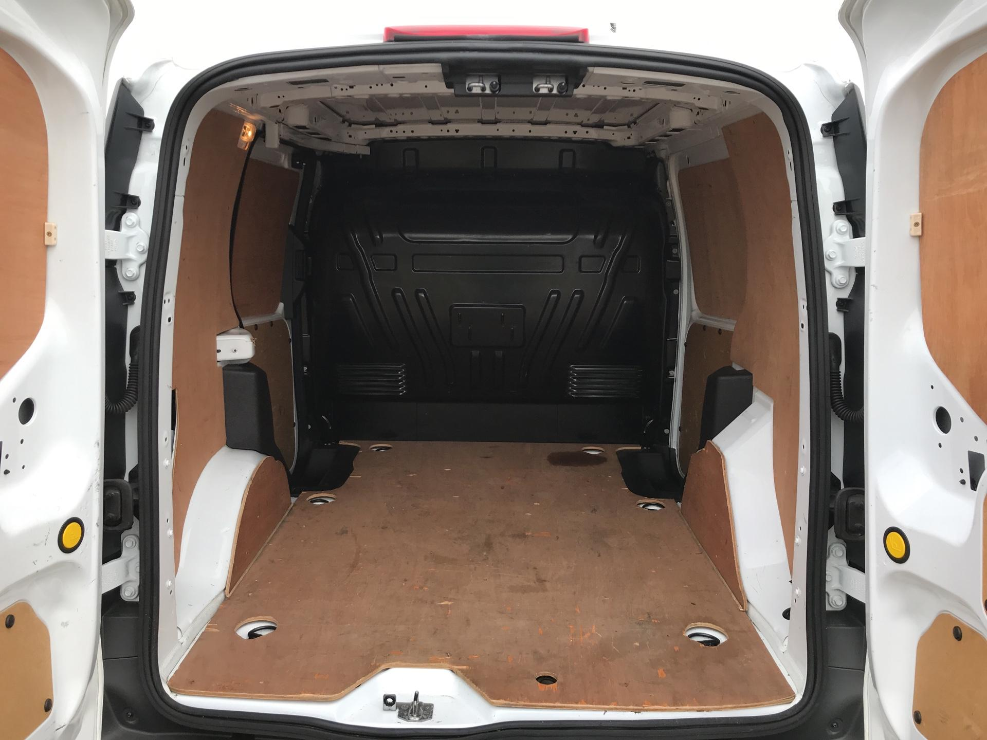 2016 Ford Transit Connect 200 L1 DIESEL 1.6 Tdci 75Ps Van EURO 5 (FN16VCW) Image 17