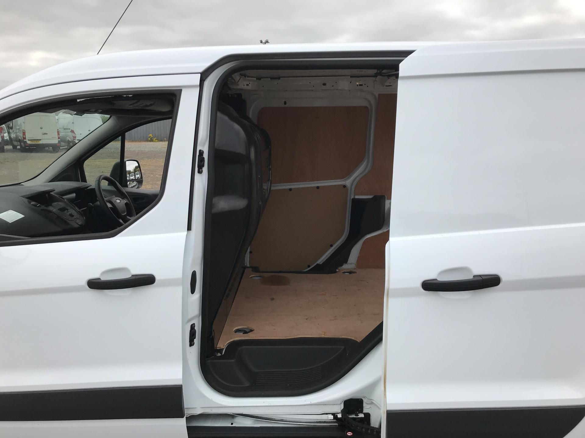 2016 Ford Transit Connect 200 L1 DIESEL 1.6 Tdci 75Ps Van EURO 5 (FN16VCW) Image 18