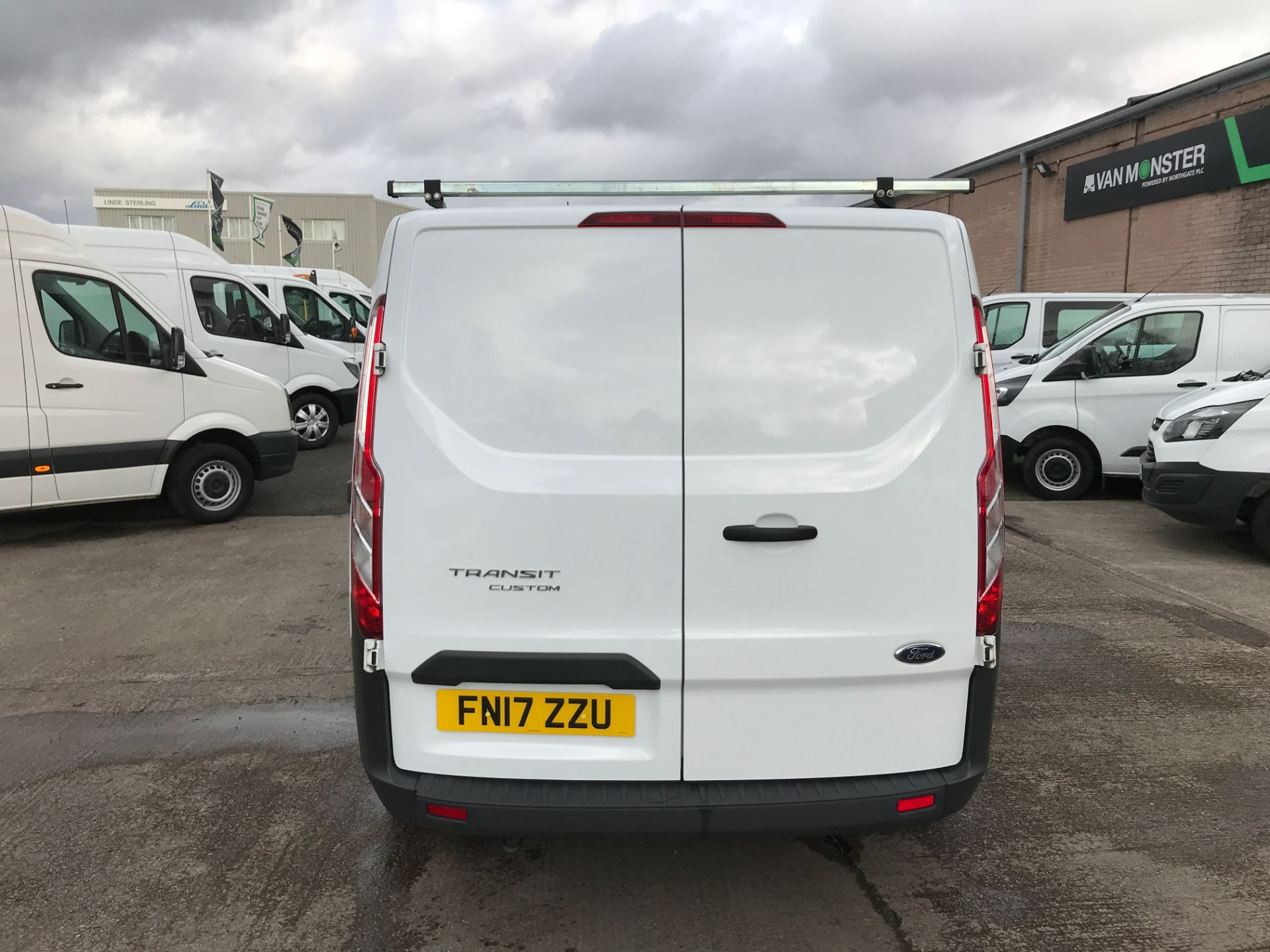 2017 Ford Transit Custom 290 L1 2.0TDCI 105PS LOW ROOF EURO 6 (FN17ZZU) Image 9