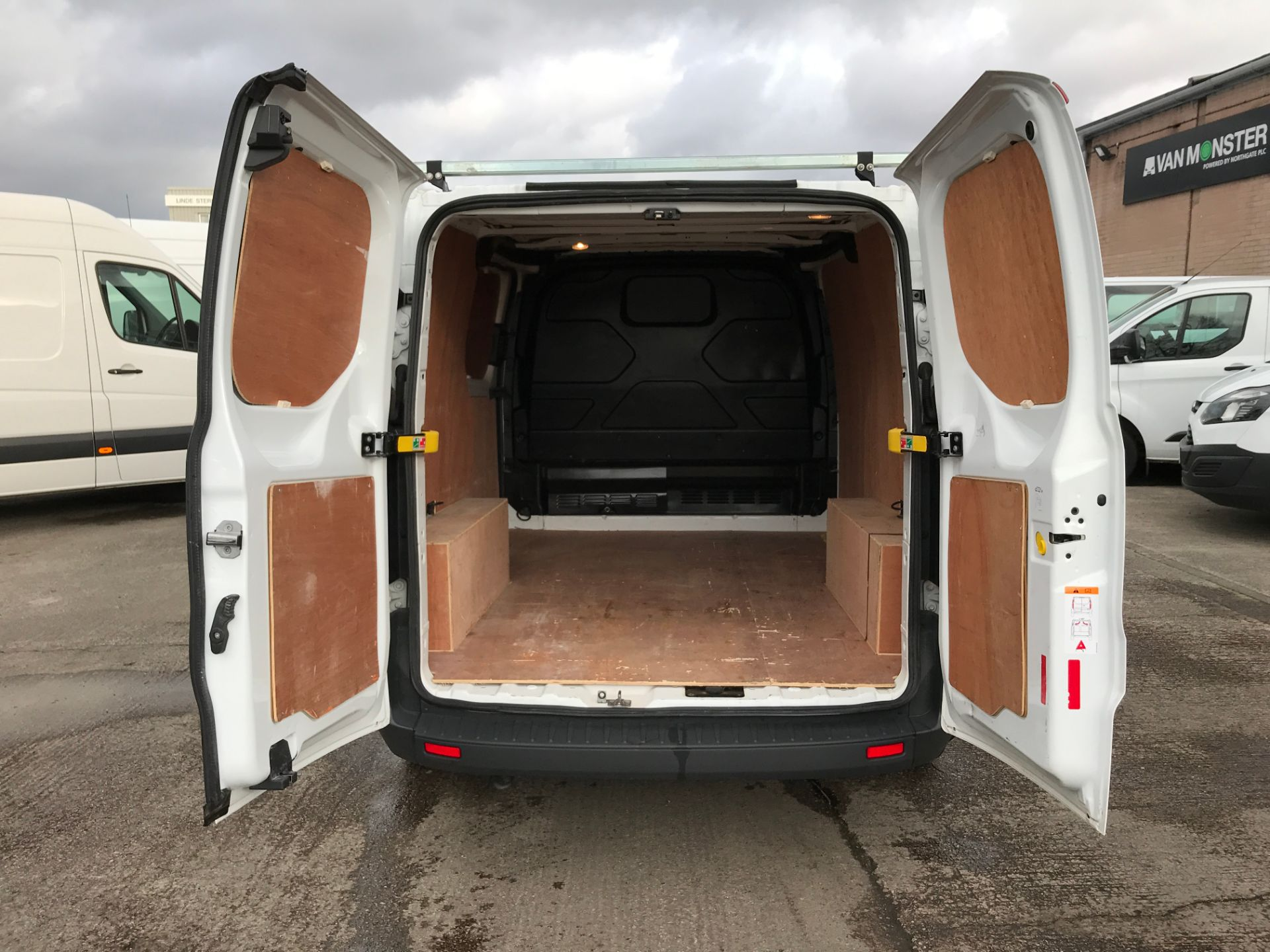 2017 Ford Transit Custom 290 L1 2.0TDCI 105PS LOW ROOF EURO 6 (FN17ZZU) Image 16