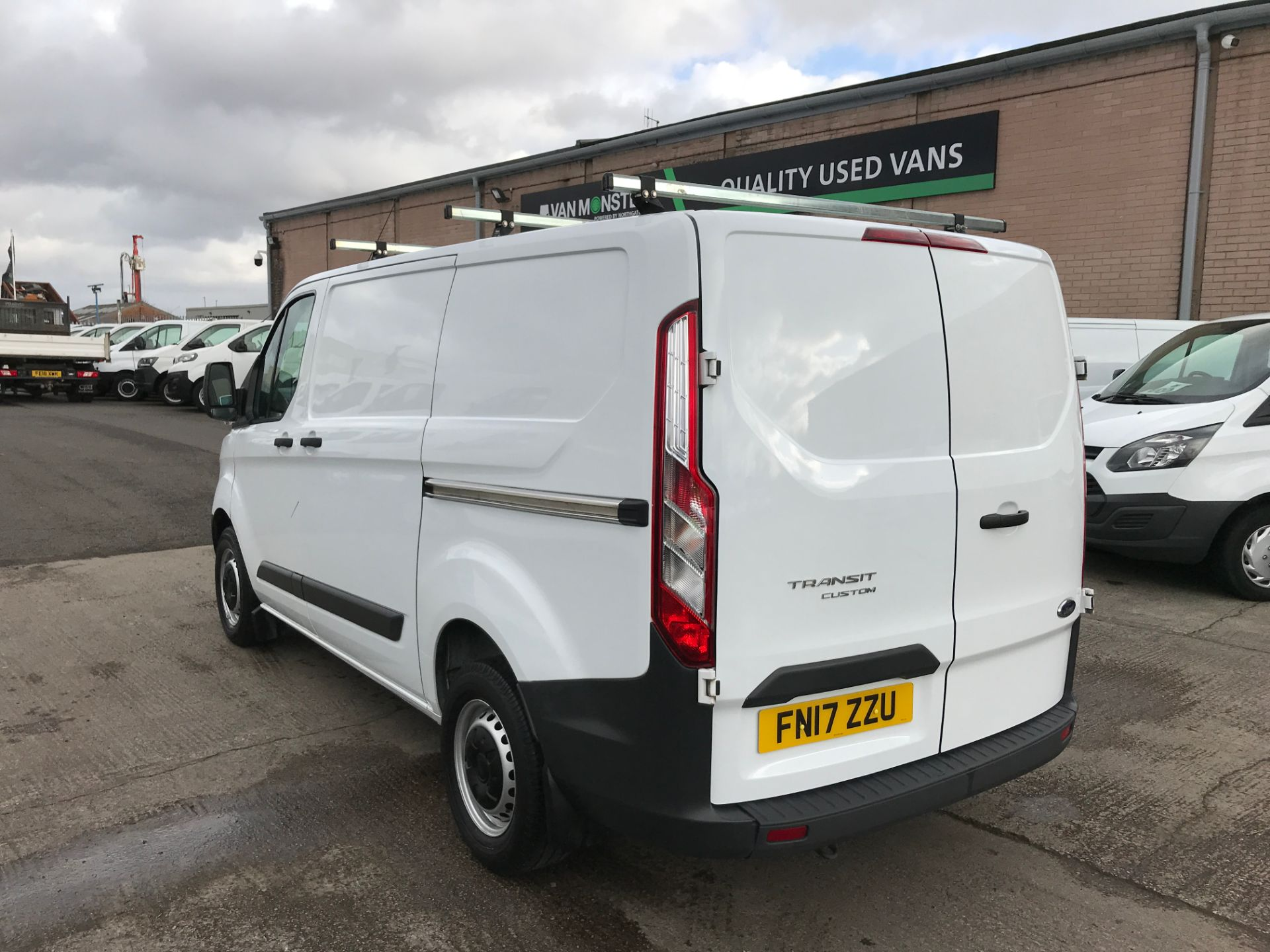 2017 Ford Transit Custom 290 L1 2.0TDCI 105PS LOW ROOF EURO 6 (FN17ZZU) Image 10