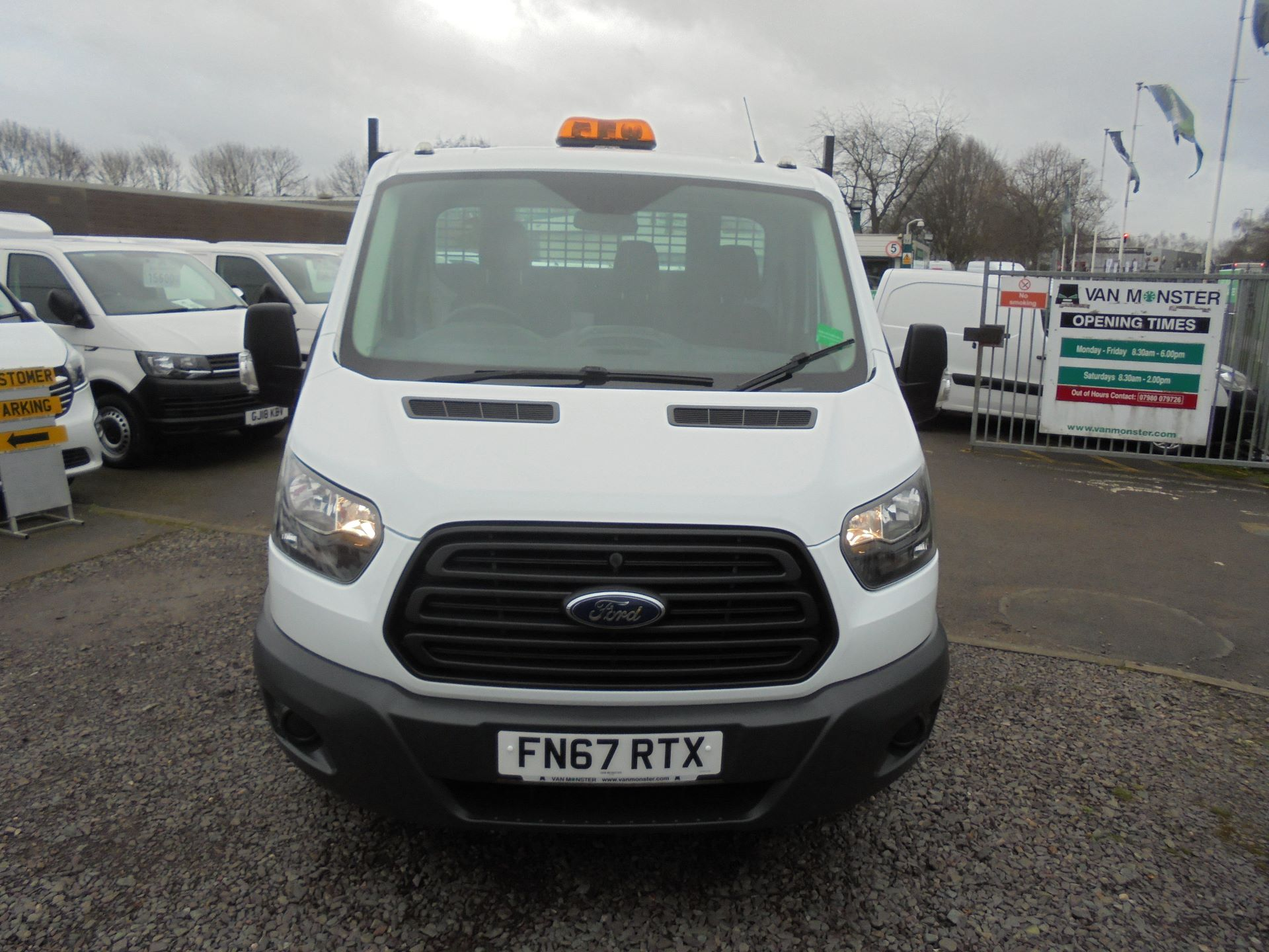 2018 Ford Transit 350 L2 SINGLE CAB TIPPER 130PS EURO 5 (FN67RTX) Image 8