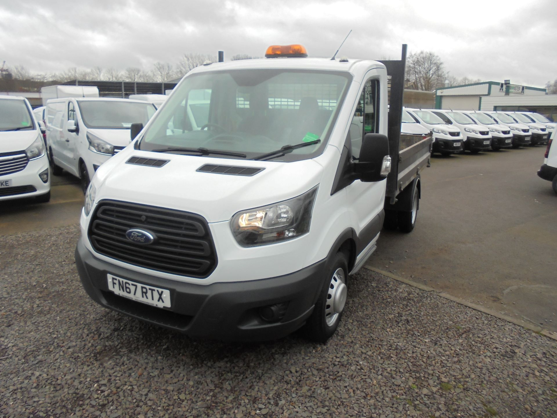2018 Ford Transit 350 L2 SINGLE CAB TIPPER 130PS EURO 5 (FN67RTX) Image 7
