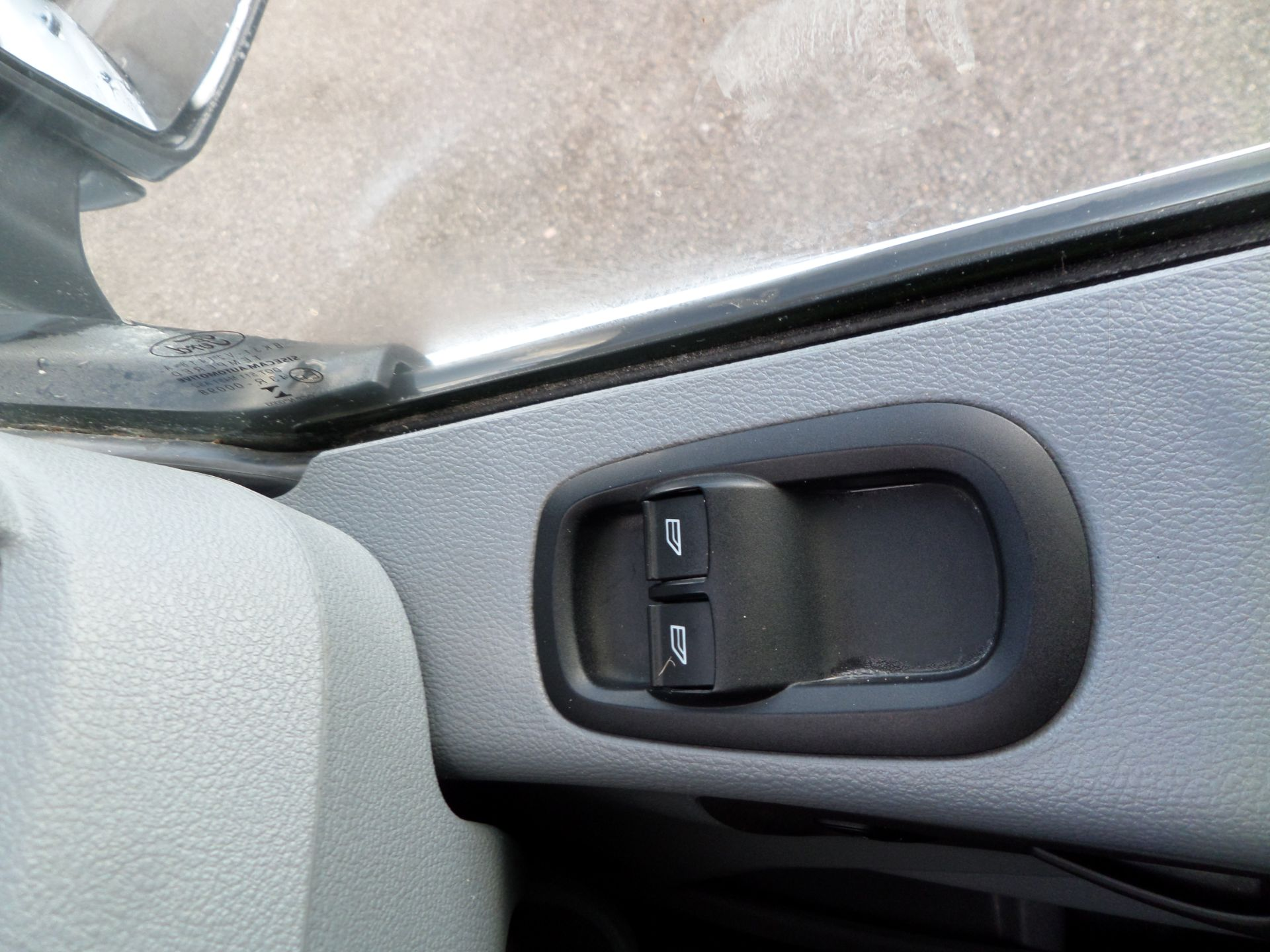 2017 Ford Transit 2.0 Tdci 130Ps H3 Van Euro 6 (FN67ZUD) Image 15