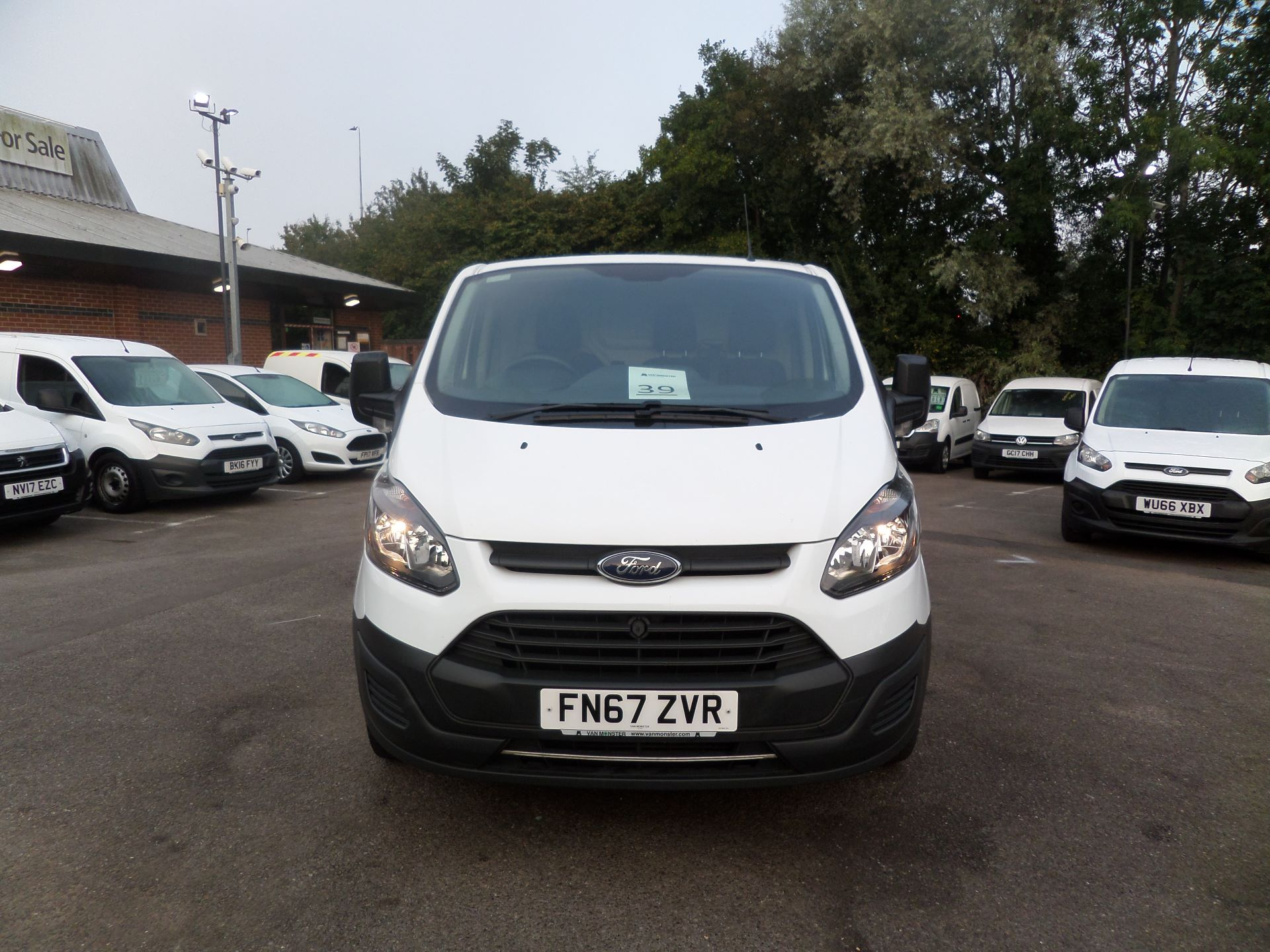 2017 Ford Transit Custom 2.0 Tdci 105Ps Low Roof Van Euro 6 (FN67ZVR) Image 10