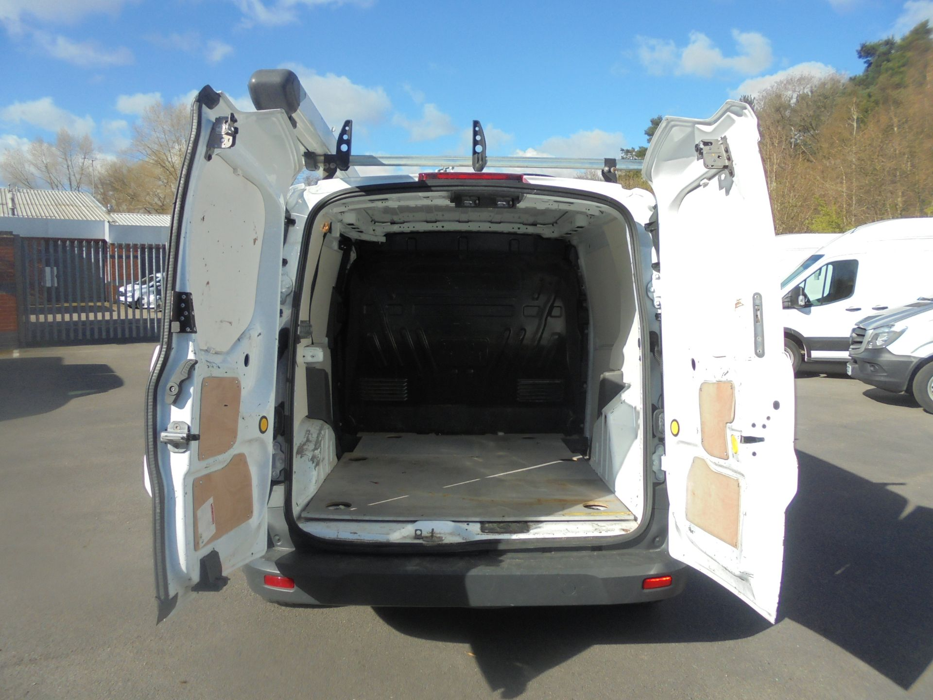2017 Ford Transit Connect 1.5 Tdci 75Ps Van (FN67ZVT) Image 9