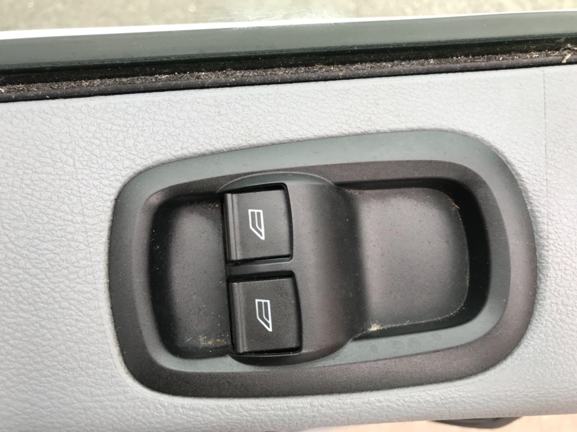 2017 Ford Transit 2.0 Tdci 130Ps H3 Van L3 H3 VAN 130PS EURO 6 (FN67ZVU) Image 19