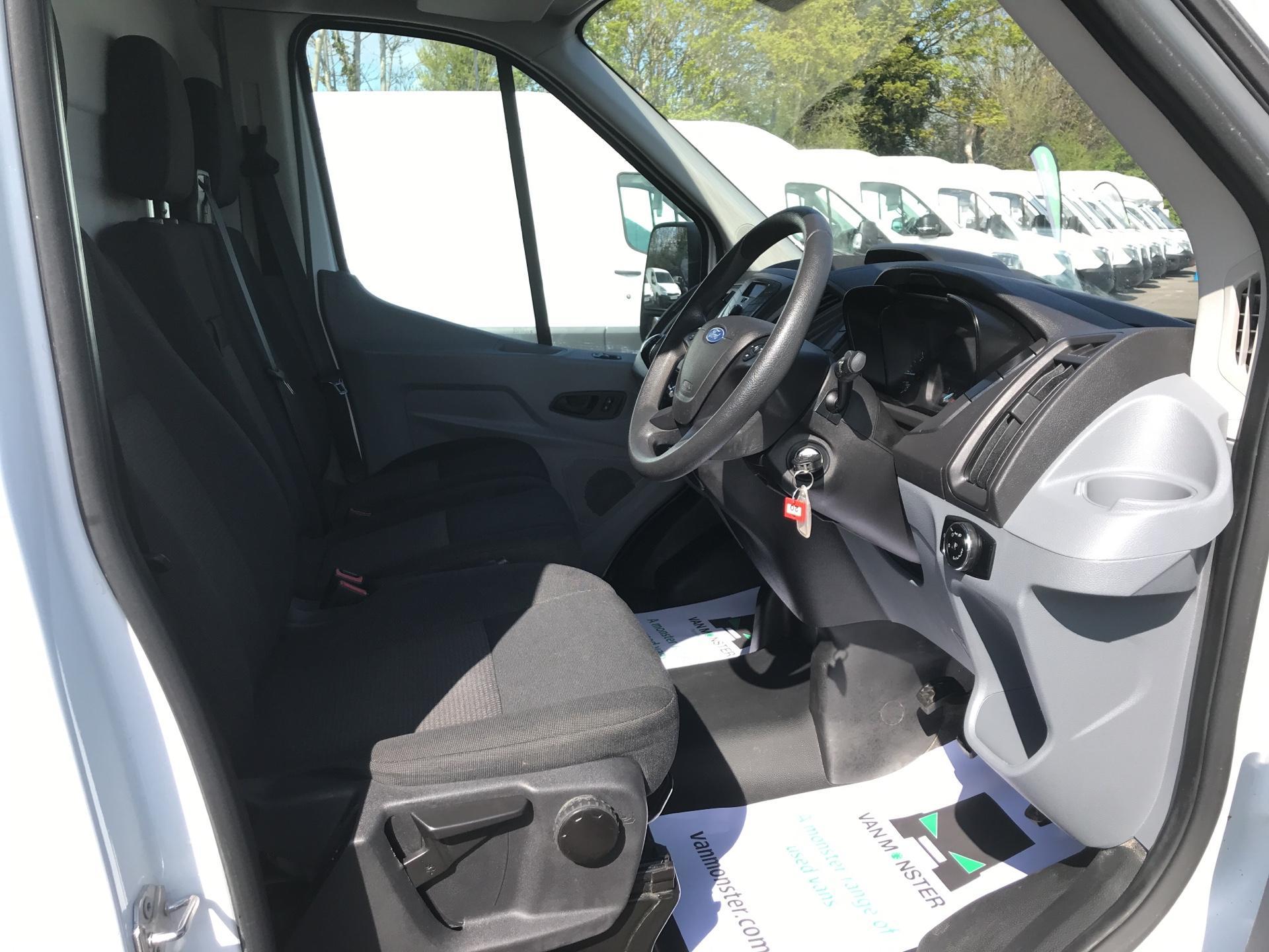 2017 Ford Transit 2.0 Tdci 130Ps H3 Van Euro 6 (FN67ZVW) Image 9
