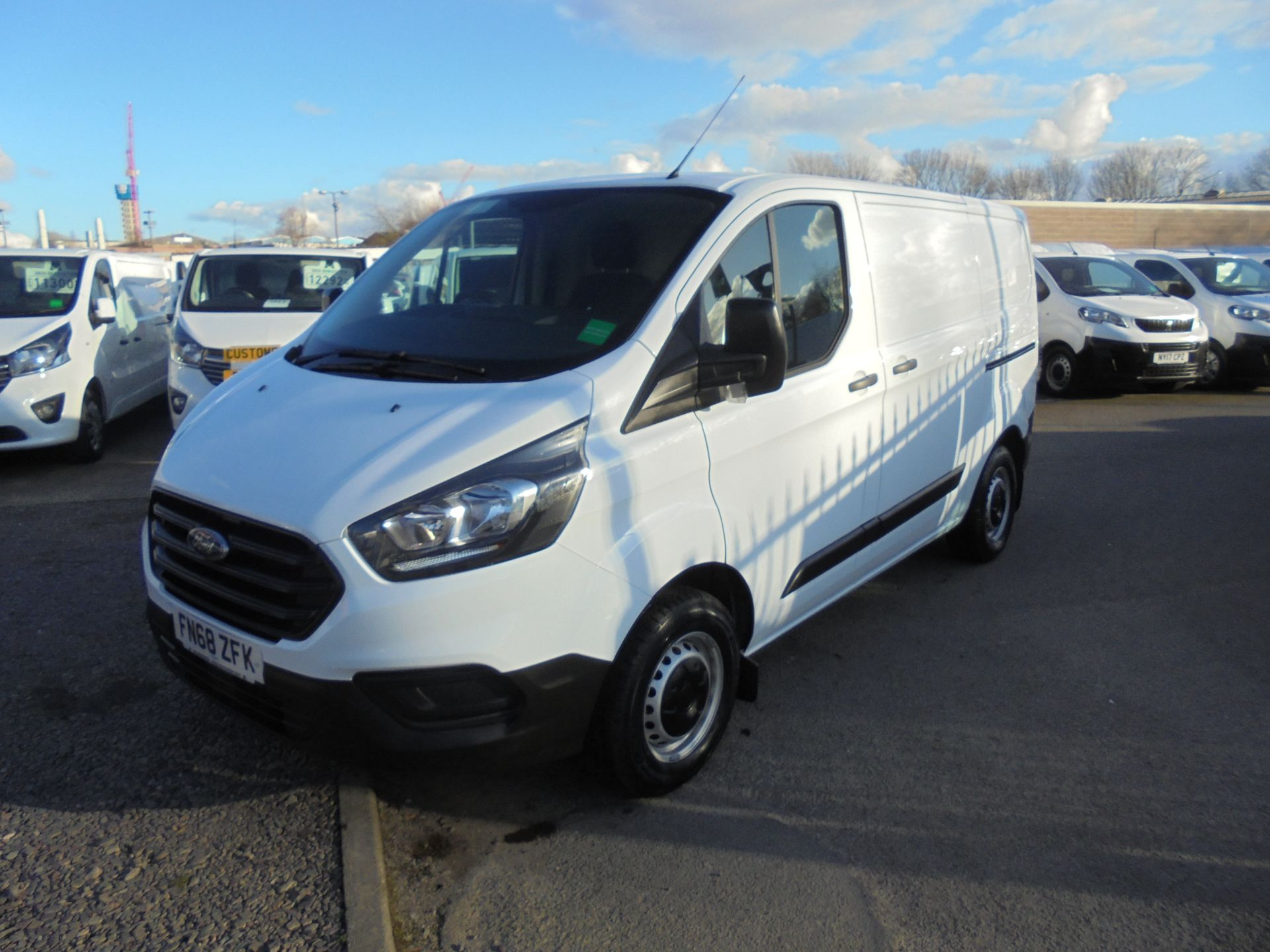 2018 Ford Transit Custom 300 L1 FWD 2.0 TDCI 105PS LOW ROOF EURO 6 (FN68ZFK) Image 9