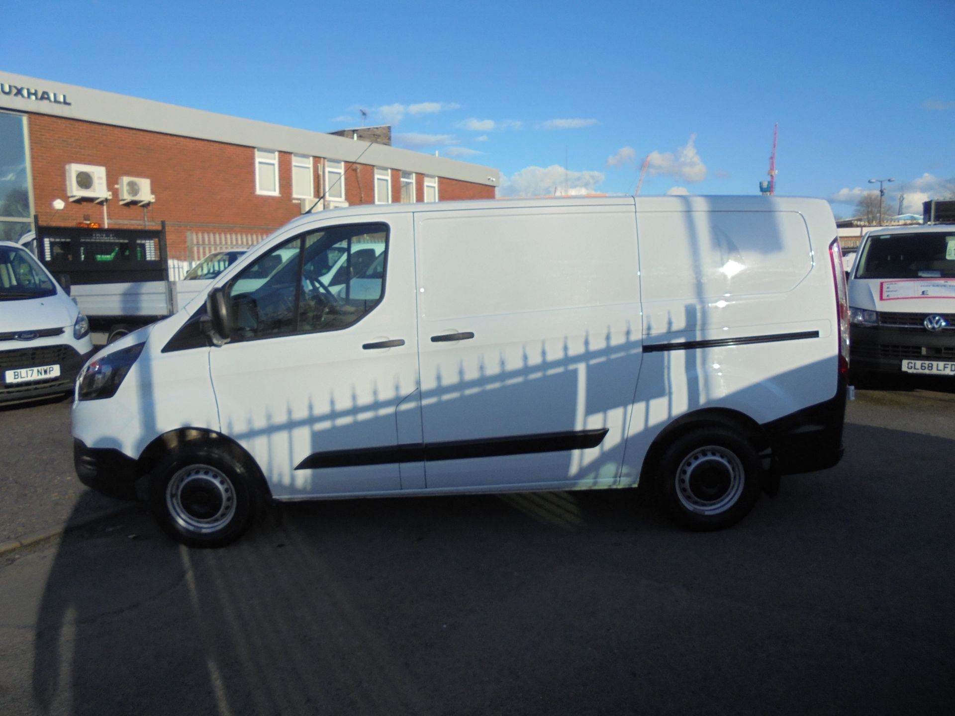2018 Ford Transit Custom 300 L1 FWD 2.0 TDCI 105PS LOW ROOF EURO 6 (FN68ZFK) Image 7