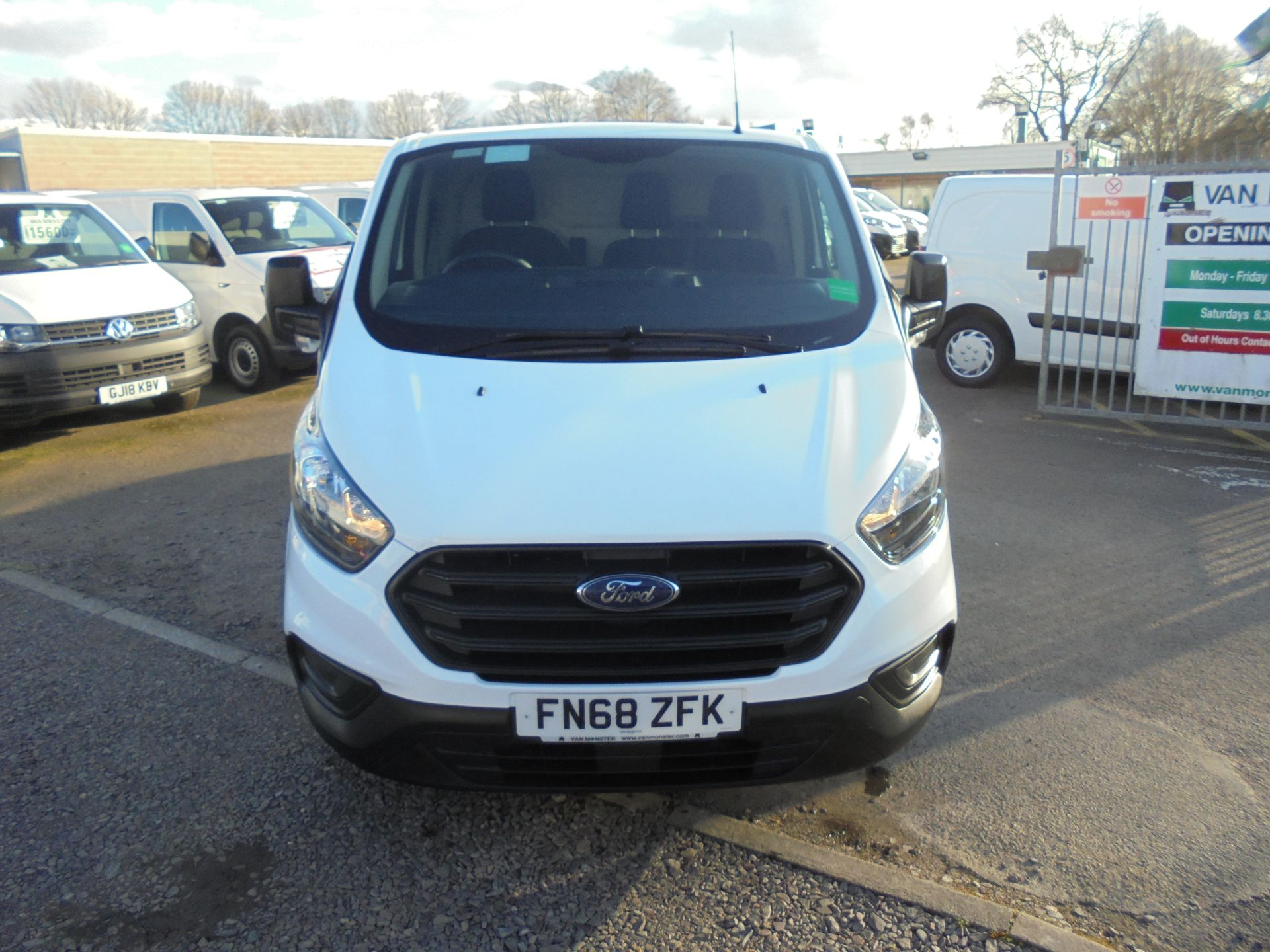 2018 Ford Transit Custom 300 L1 FWD 2.0 TDCI 105PS LOW ROOF EURO 6 (FN68ZFK) Image 10