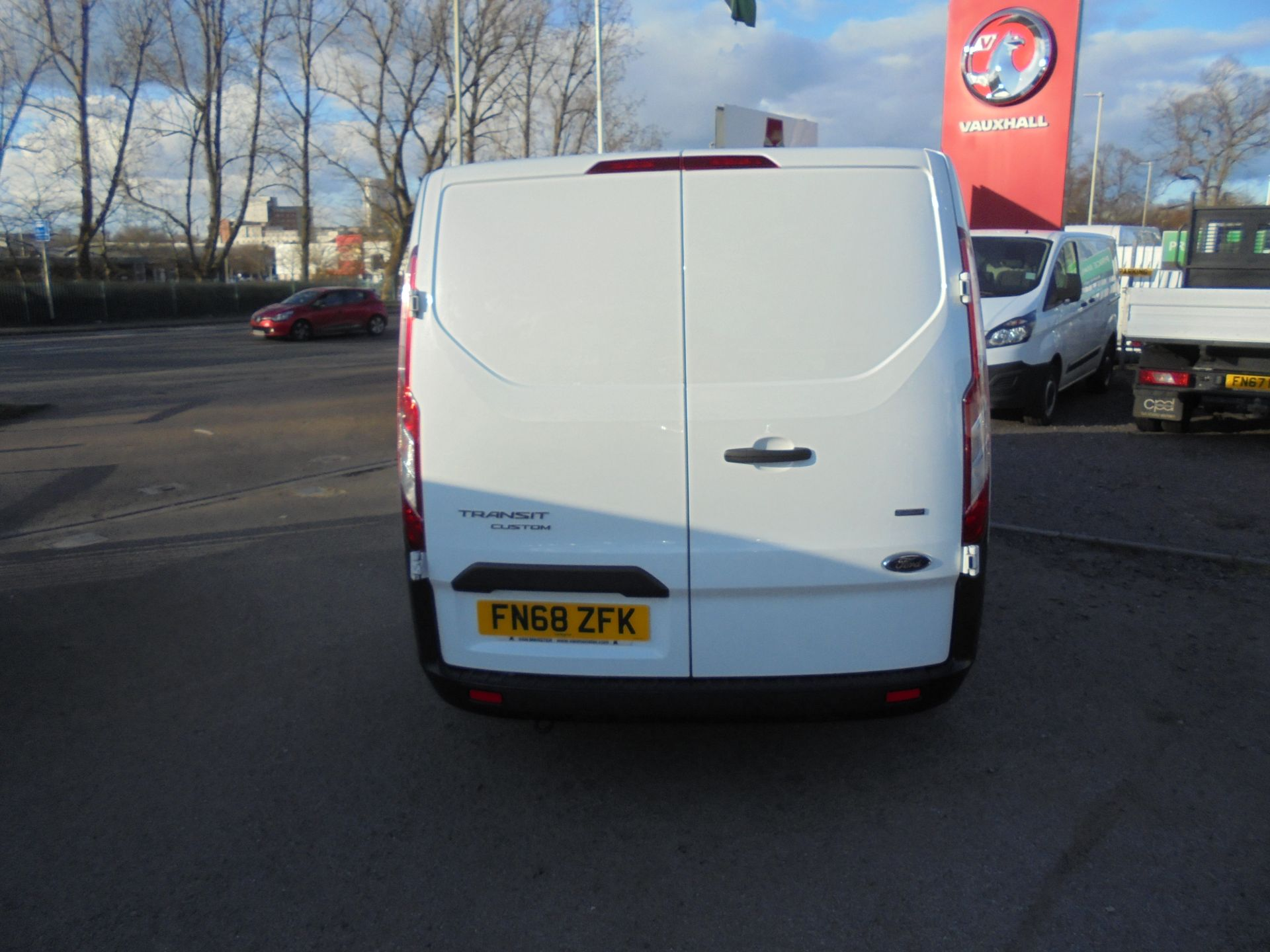 2018 Ford Transit Custom 300 L1 FWD 2.0 TDCI 105PS LOW ROOF EURO 6 (FN68ZFK) Image 4