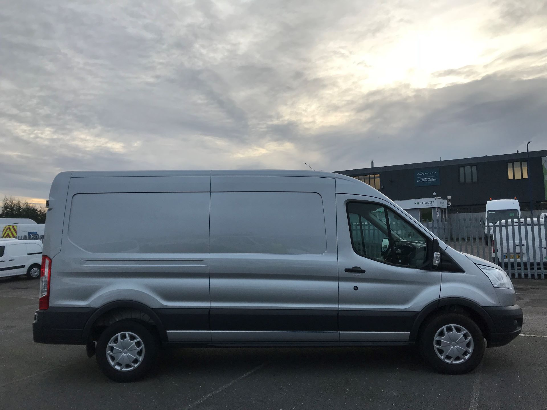 2018 Ford Transit   T350 L3 H2 130PS TREND EURO 6 (FN68ZTU) Image 8