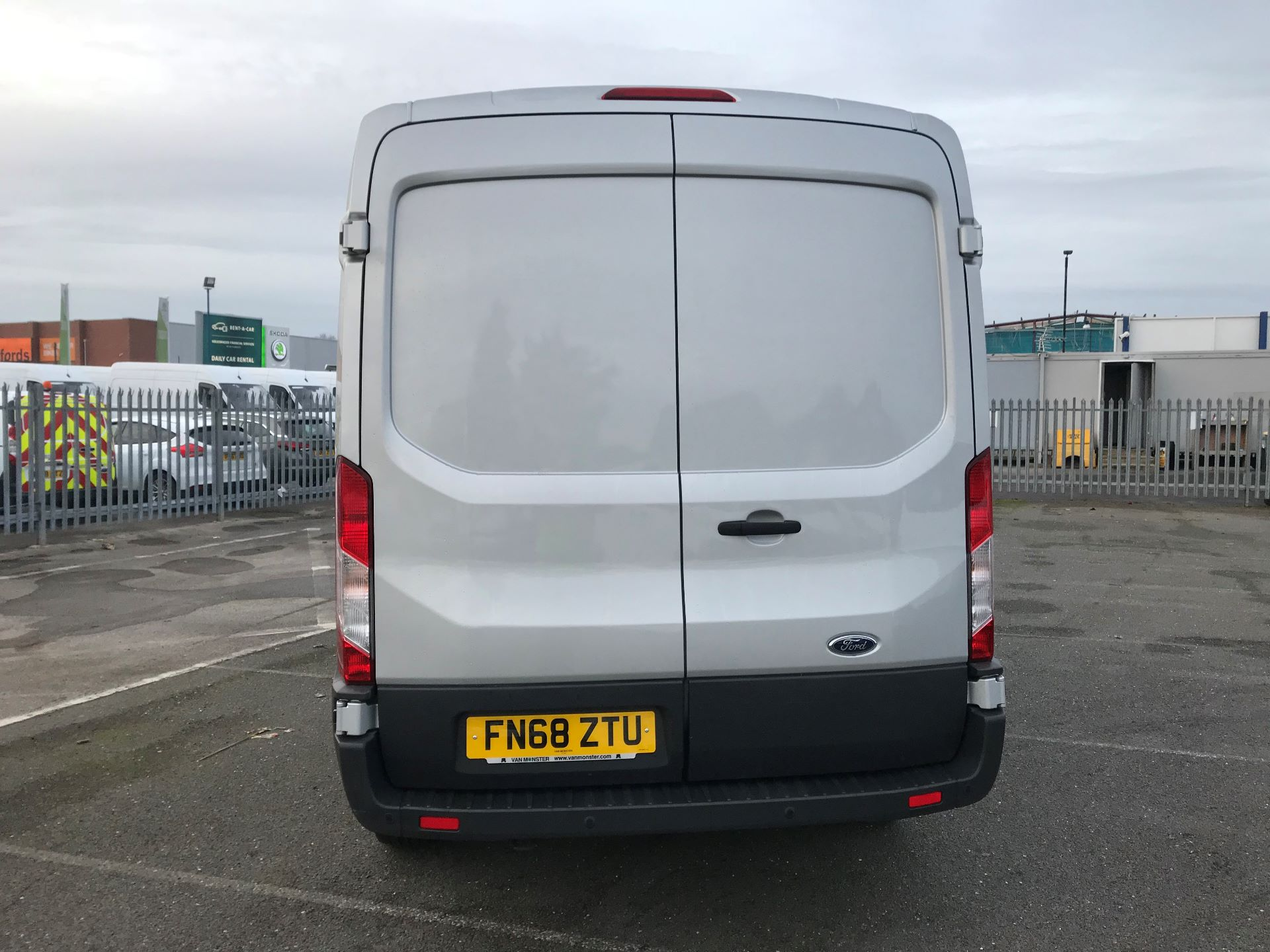 2018 Ford Transit   T350 L3 H2 130PS TREND EURO 6 (FN68ZTU) Image 6