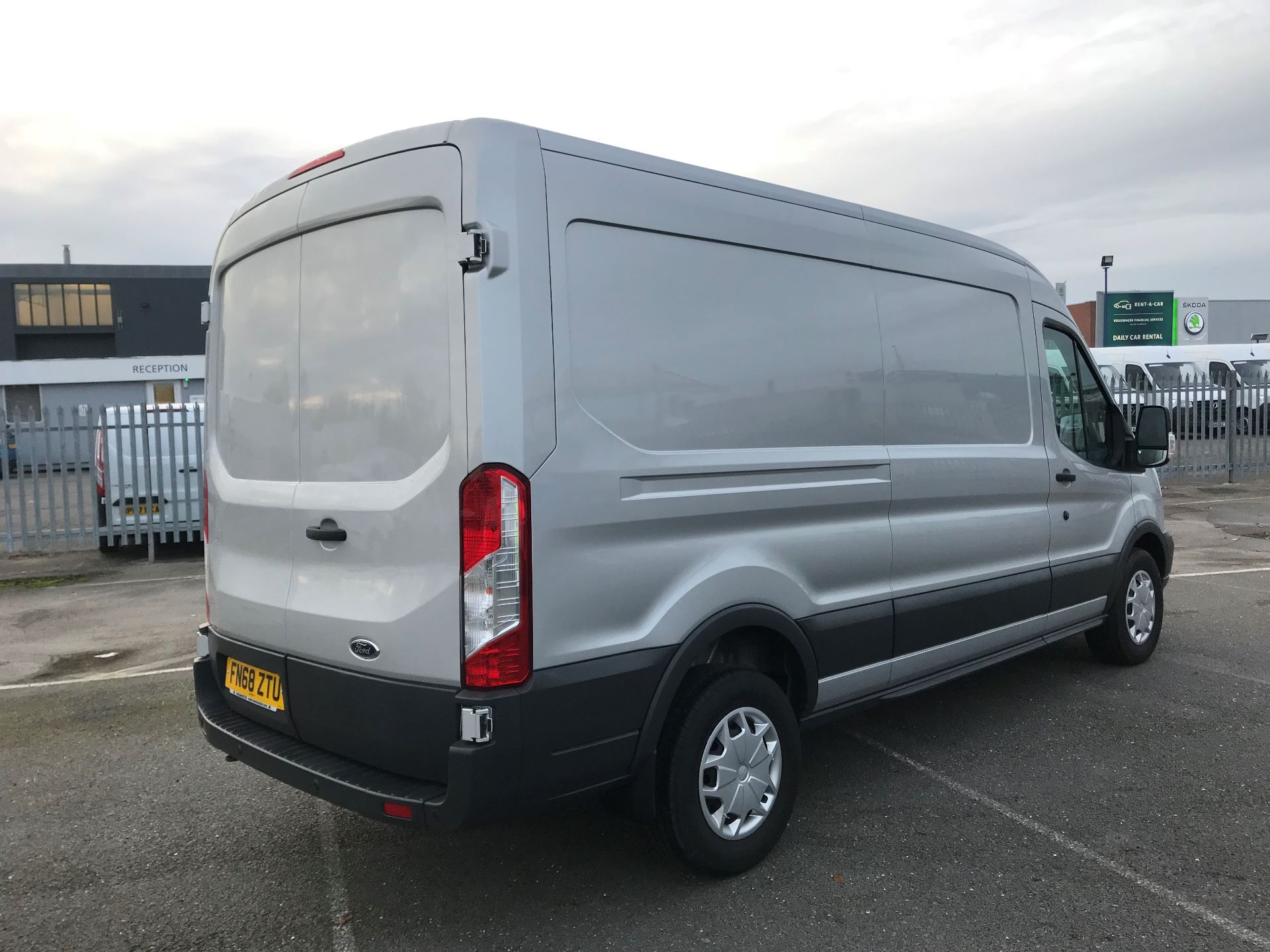 2018 Ford Transit   T350 L3 H2 130PS TREND EURO 6 (FN68ZTU) Image 4