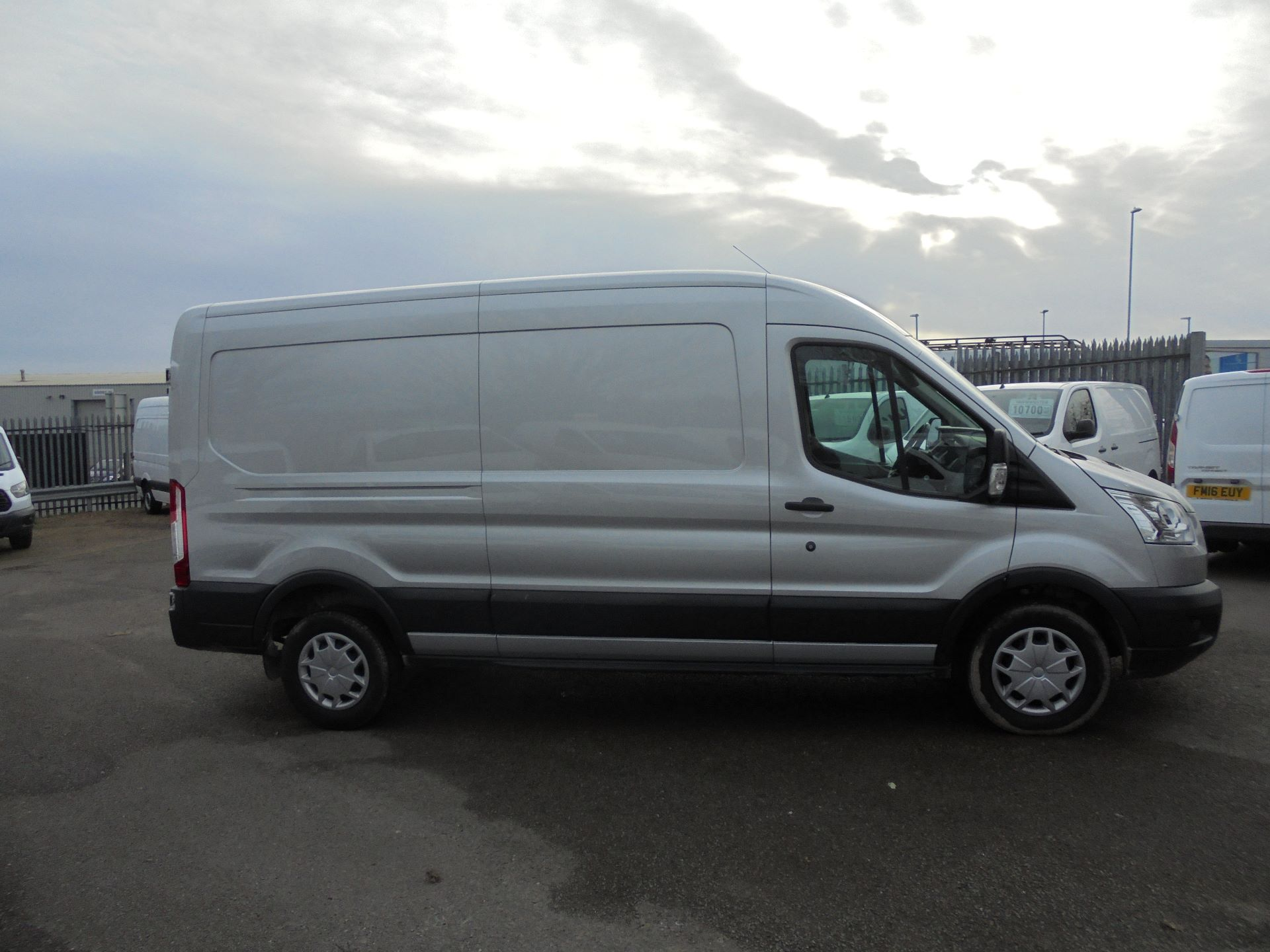 2018 Ford Transit L3 H2 VAN 130PS TREND EURO 6 (FN68ZTV) Image 3