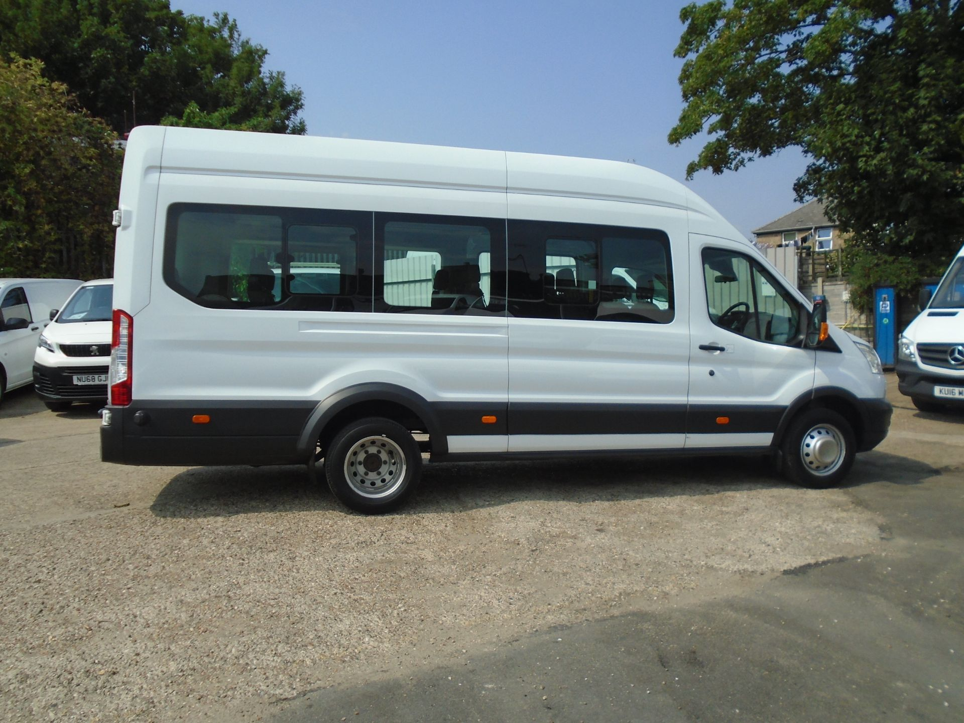 2016 Ford Transit 2.2 Tdci 125Ps H3 17 Seater (FP16UMV) Image 12