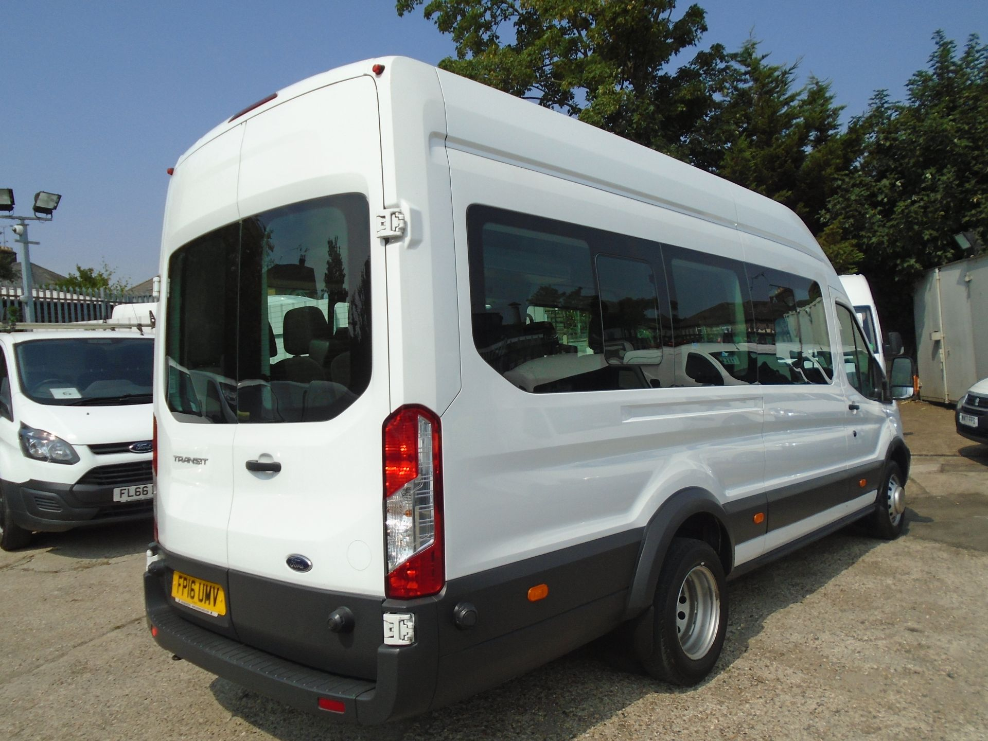 2016 Ford Transit 2.2 Tdci 125Ps H3 17 Seater (FP16UMV) Image 6
