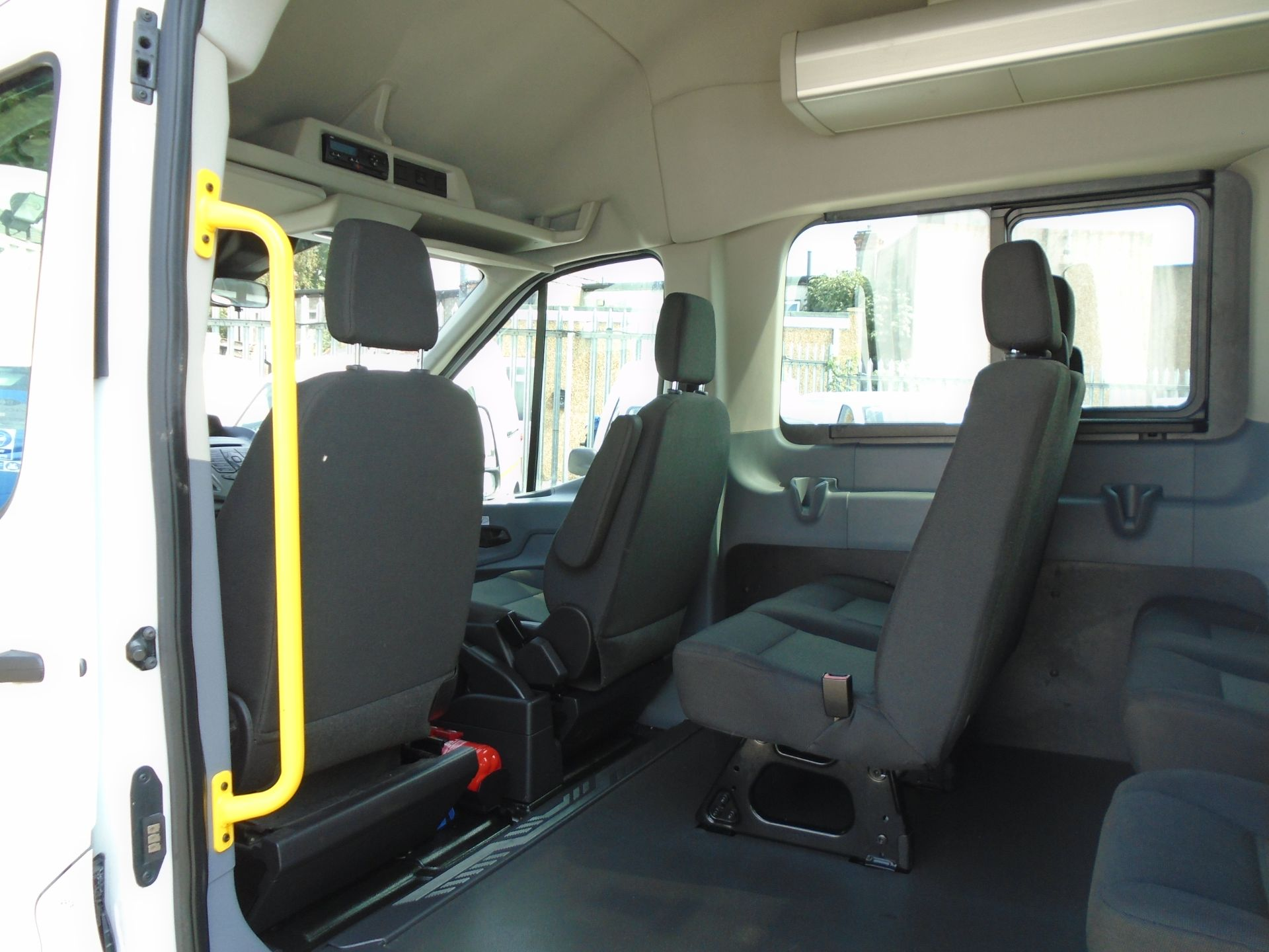 2016 Ford Transit 2.2 Tdci 125Ps H3 17 Seater (FP16UMV) Image 14