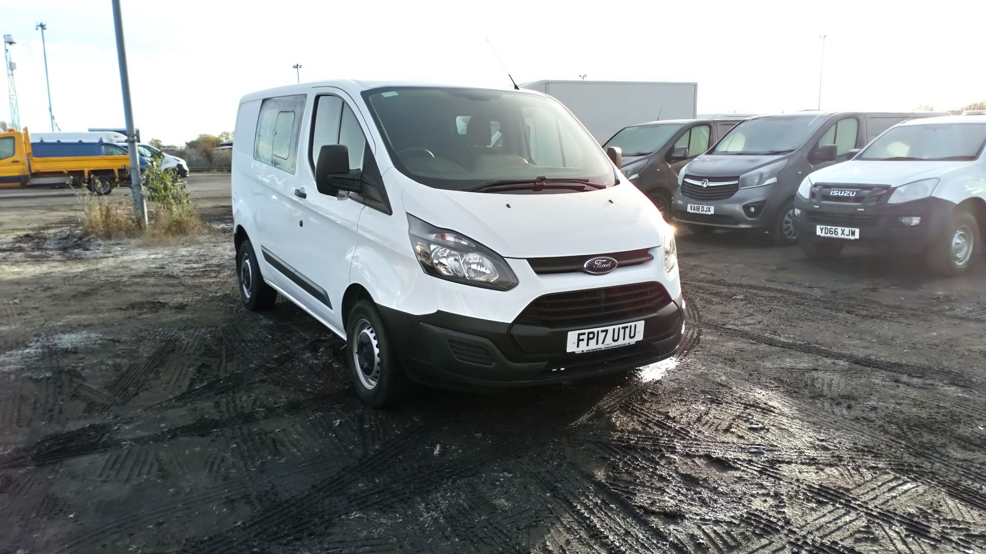 2017 Ford Transit Custom 2.0 Tdci 105Ps Low Roof D/Cab Van (FP17UTU)