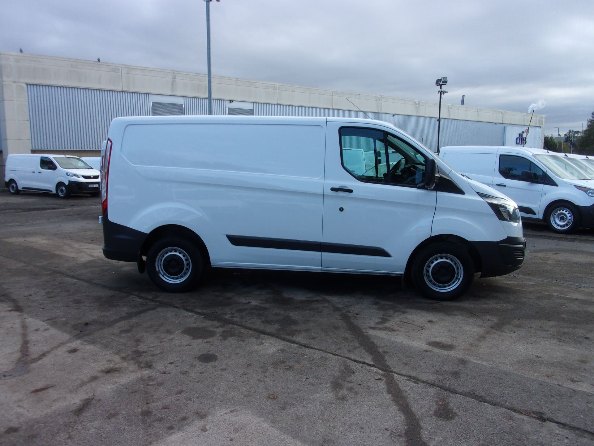 2017 Ford Transit Custom 290 L1 DIESEL FWD 2.0 TDCI 105PS LOW ROOF VAN EURO 6 *LIMITED TO 70MPH* (FP17UTM) Image 8