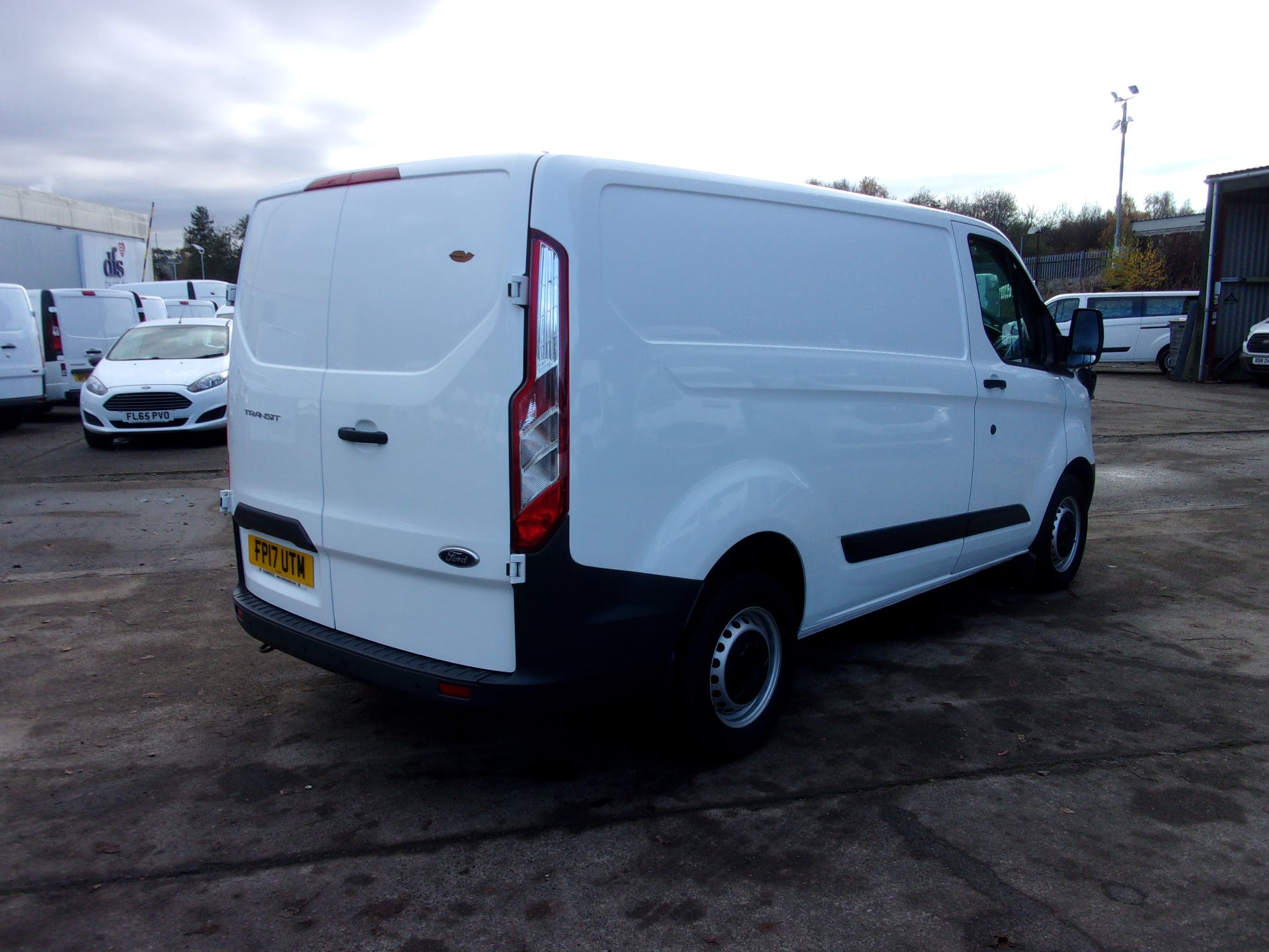 2017 Ford Transit Custom 290 L1 DIESEL FWD 2.0 TDCI 105PS LOW ROOF VAN EURO 6 *LIMITED TO 70MPH* (FP17UTM) Image 9