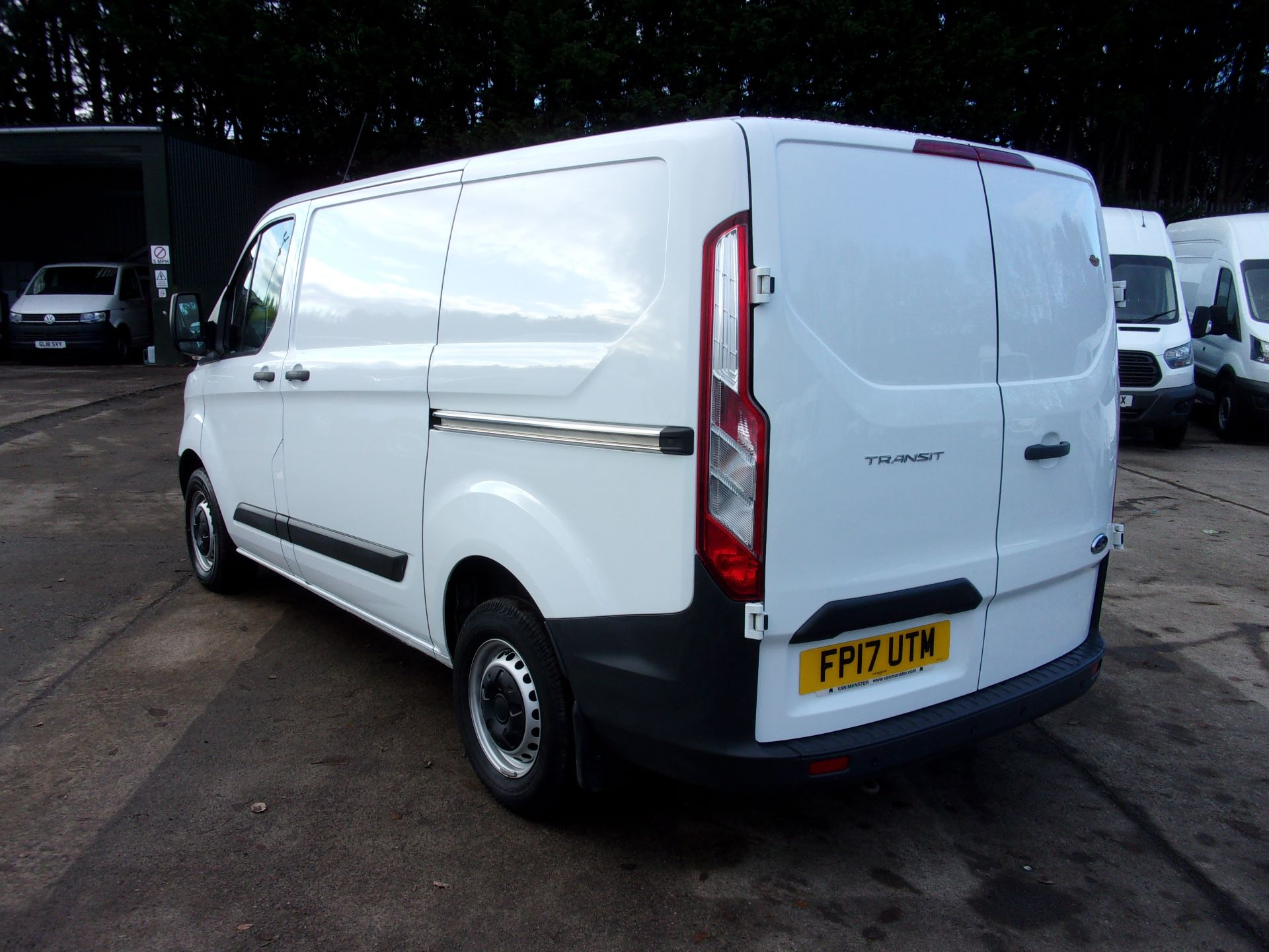 2017 Ford Transit Custom 290 L1 DIESEL FWD 2.0 TDCI 105PS LOW ROOF VAN EURO 6 *LIMITED TO 70MPH* (FP17UTM) Image 11