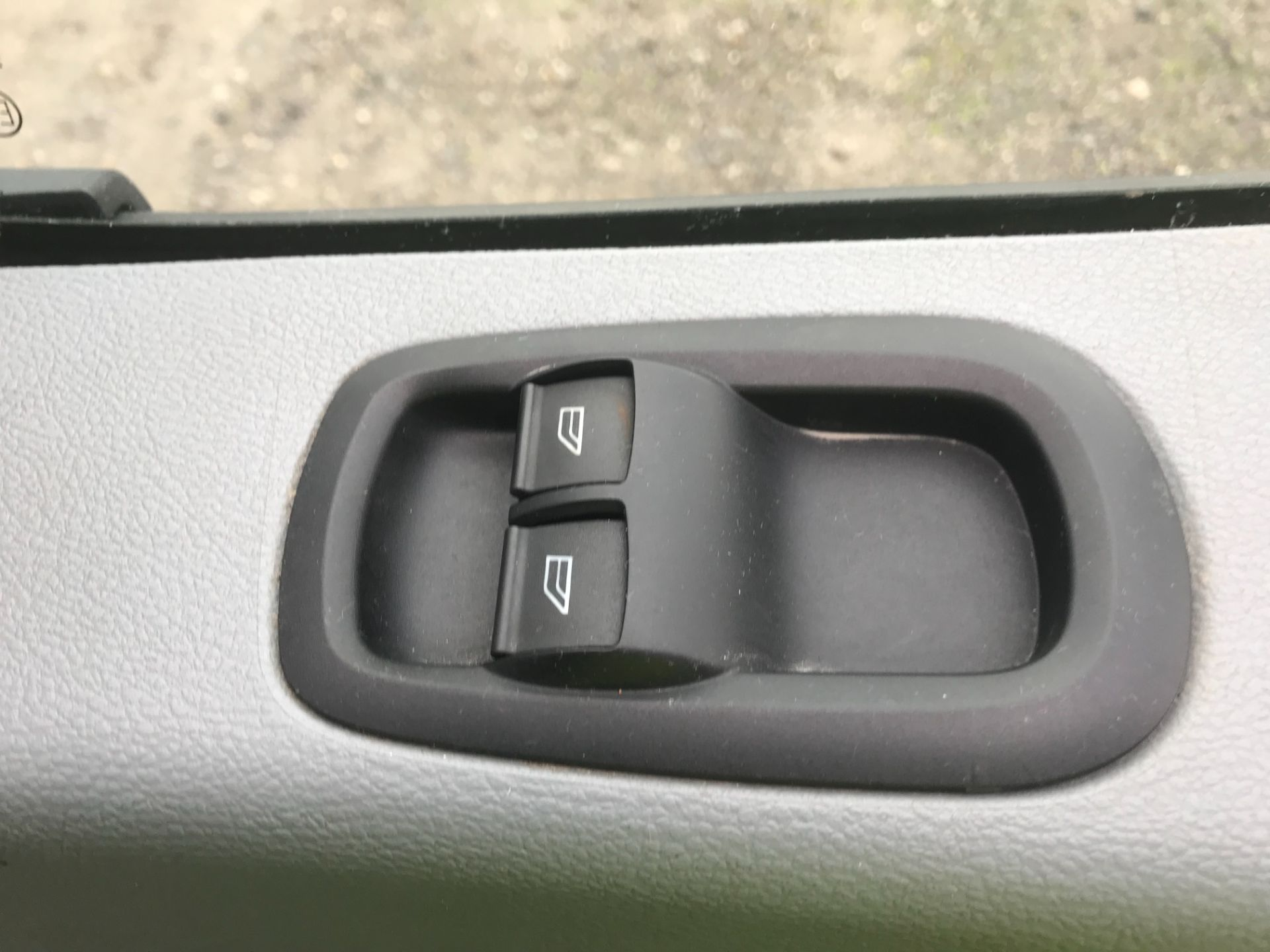 2017 Ford Transit 350  L3 H3 VAN 130PS EURO 6 (FP17UUE) Image 19