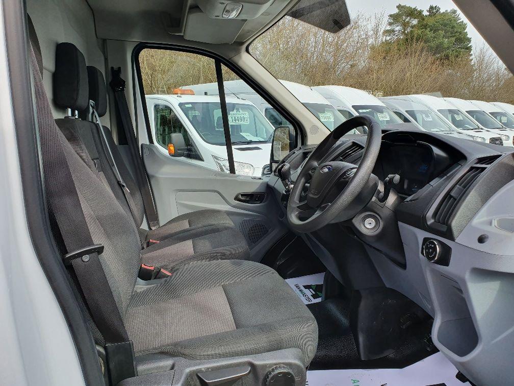 2017 Ford Transit 2.0 Tdci 130Ps H3 Van (FP17UUJ) Image 5