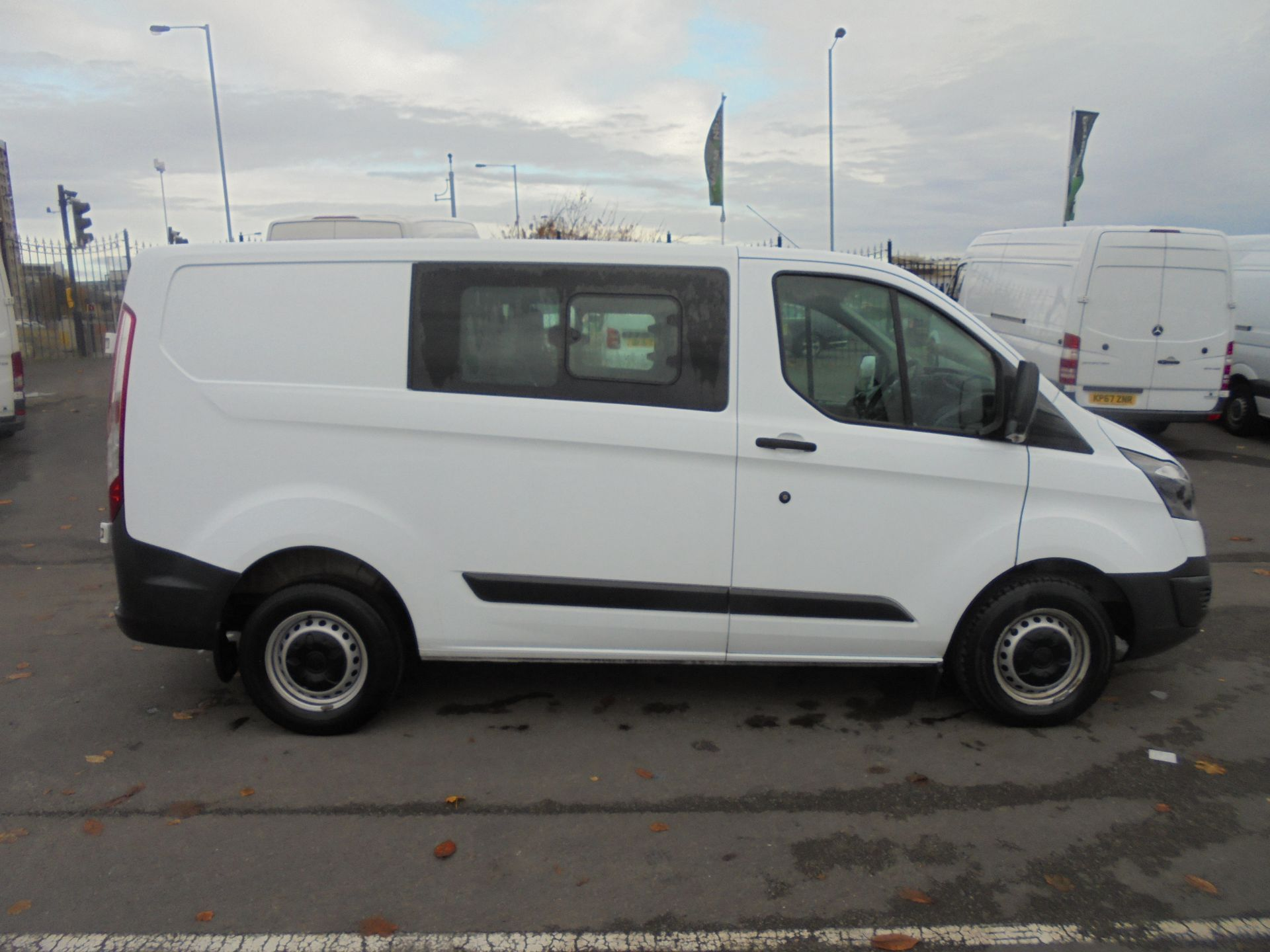 2017 Ford Transit Custom  290 L1 2.0TDCI DOUBLE CAB LOW ROOF 105PS EURO 6 (FP17UUN) Image 7