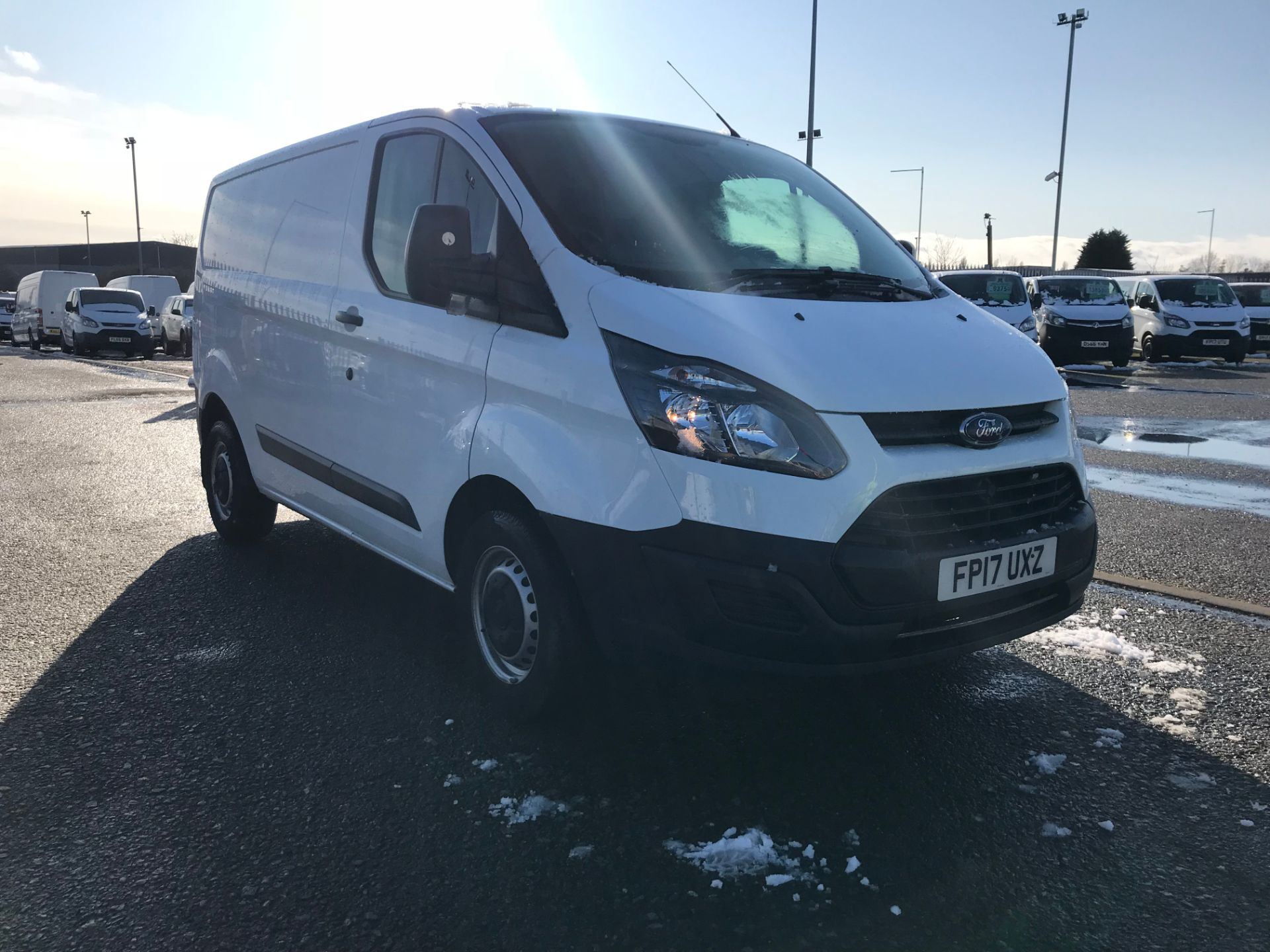 2017 Ford Transit Custom 2.0 Tdci 105Ps Low Roof Van (FP17UXZ) Image 1