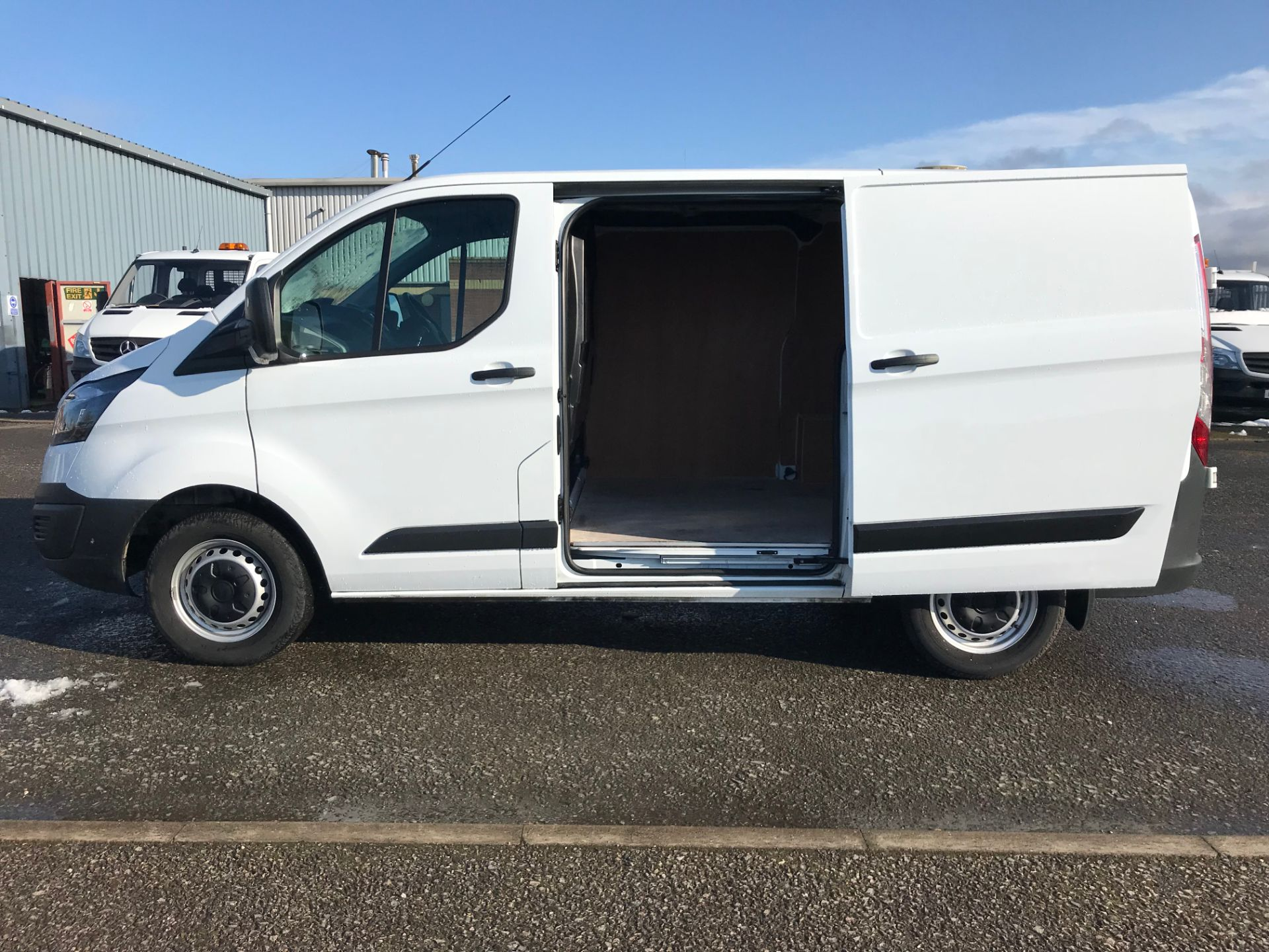 2017 Ford Transit Custom 2.0 Tdci 105Ps Low Roof Van (FP17UXZ) Image 16