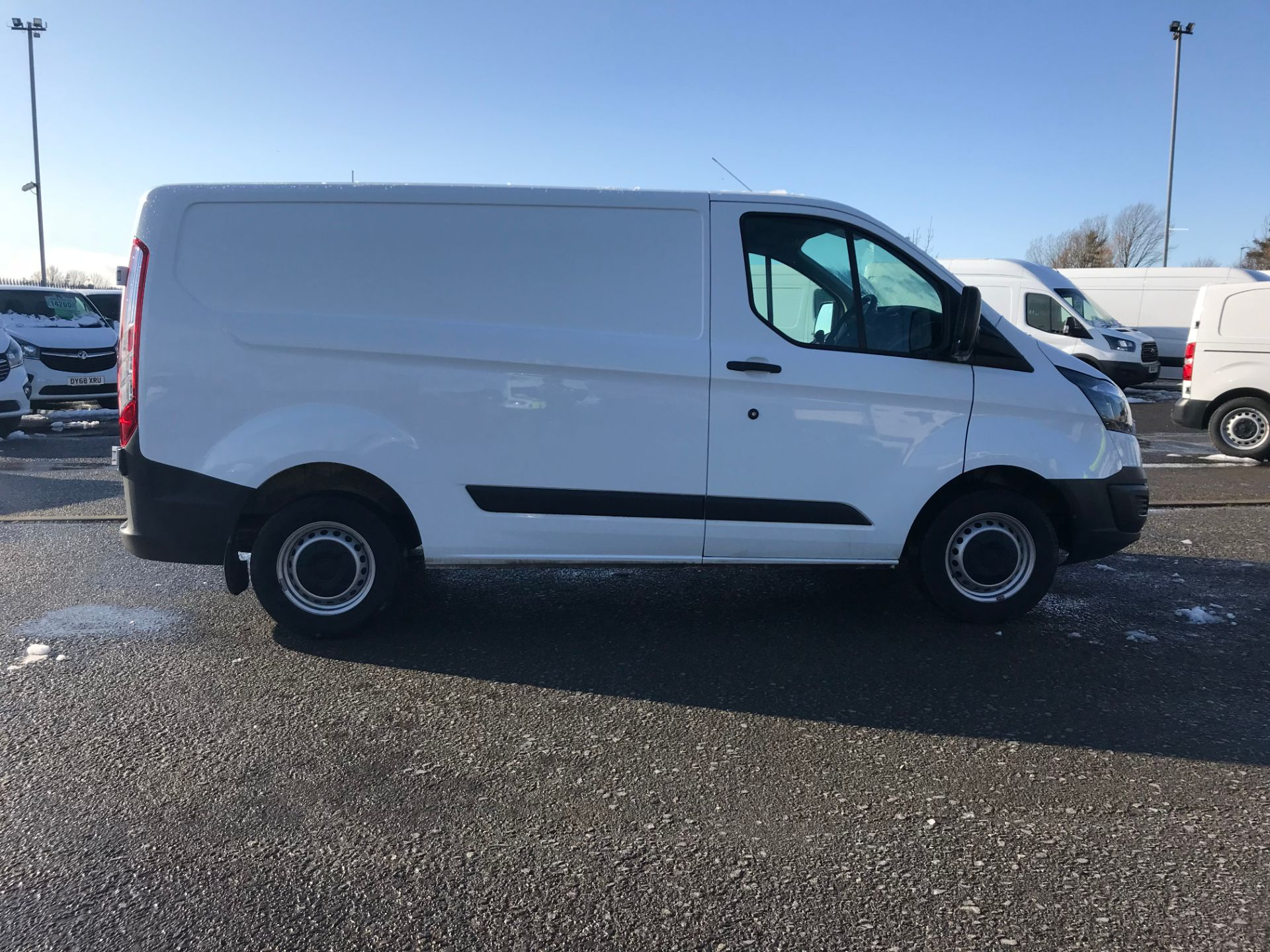 2017 Ford Transit Custom 2.0 Tdci 105Ps Low Roof Van (FP17UXZ) Image 8