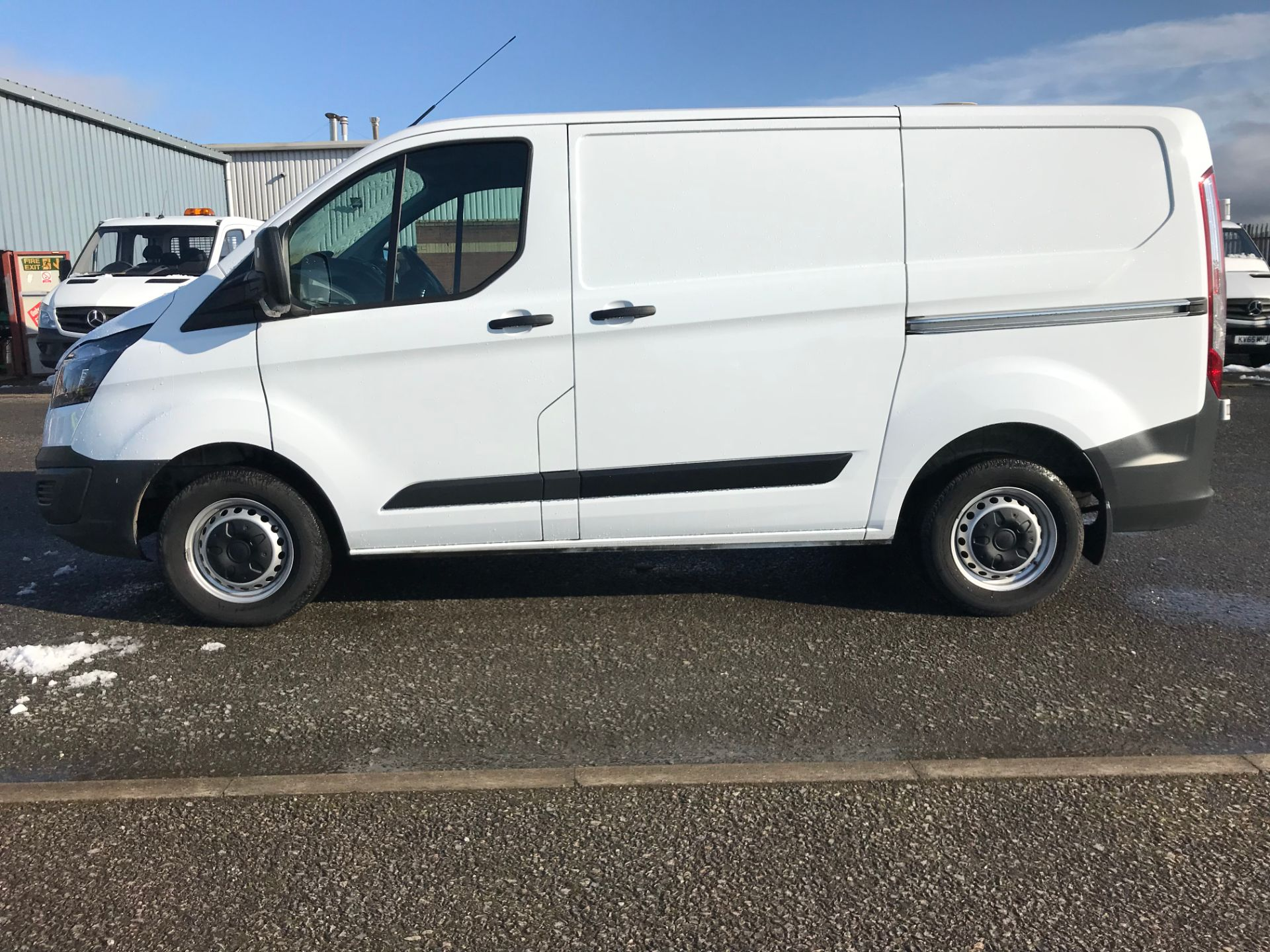 2017 Ford Transit Custom 2.0 Tdci 105Ps Low Roof Van (FP17UXZ) Image 4