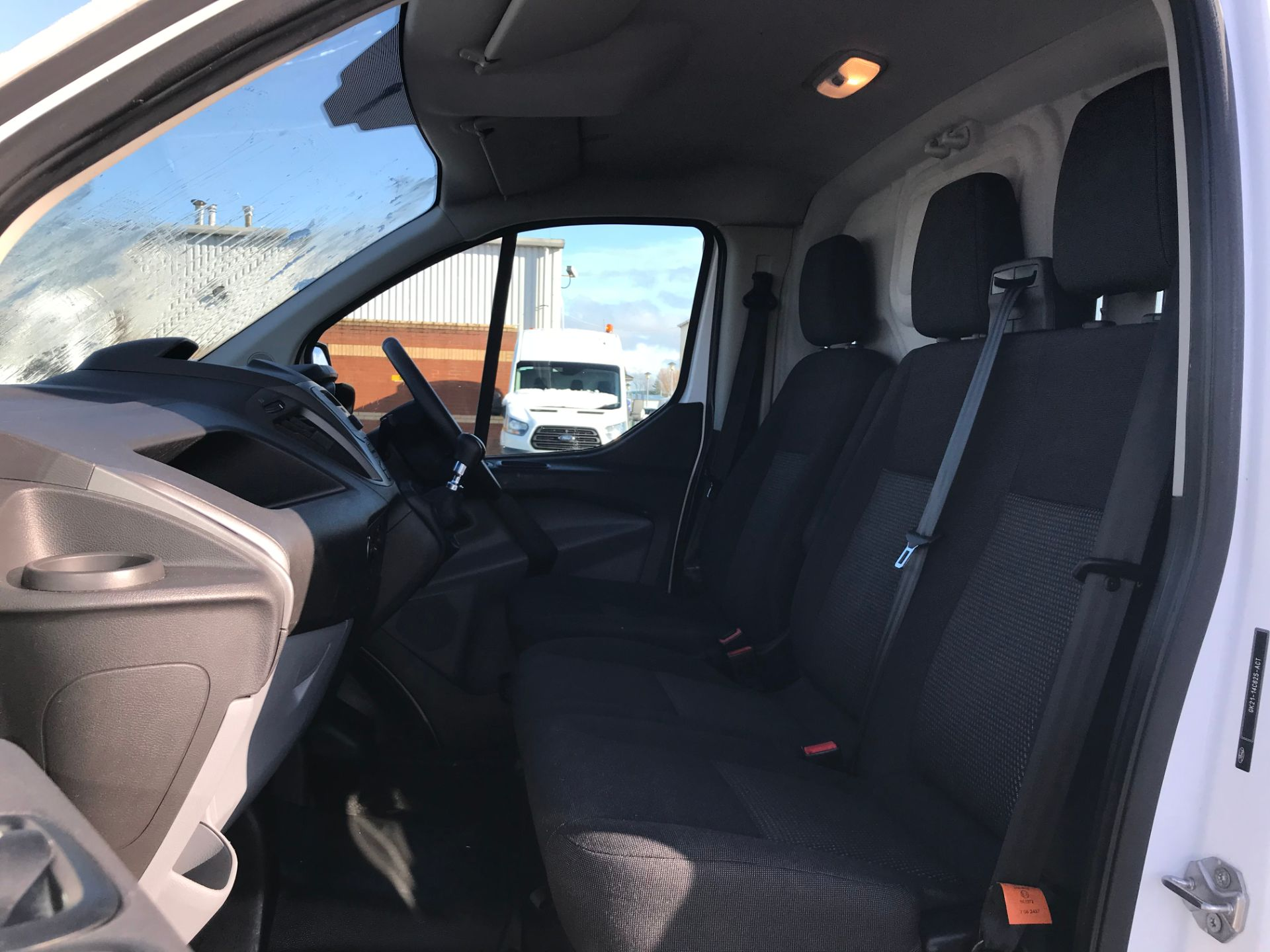 2017 Ford Transit Custom 2.0 Tdci 105Ps Low Roof Van (FP17UXZ) Image 15